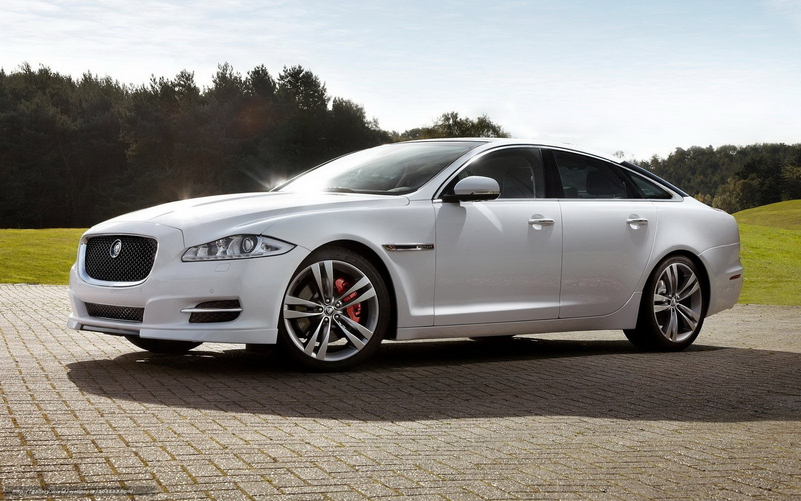 Download Wallpaper Jaguar Car Sky Cars Free Desktop Wallpaper In
