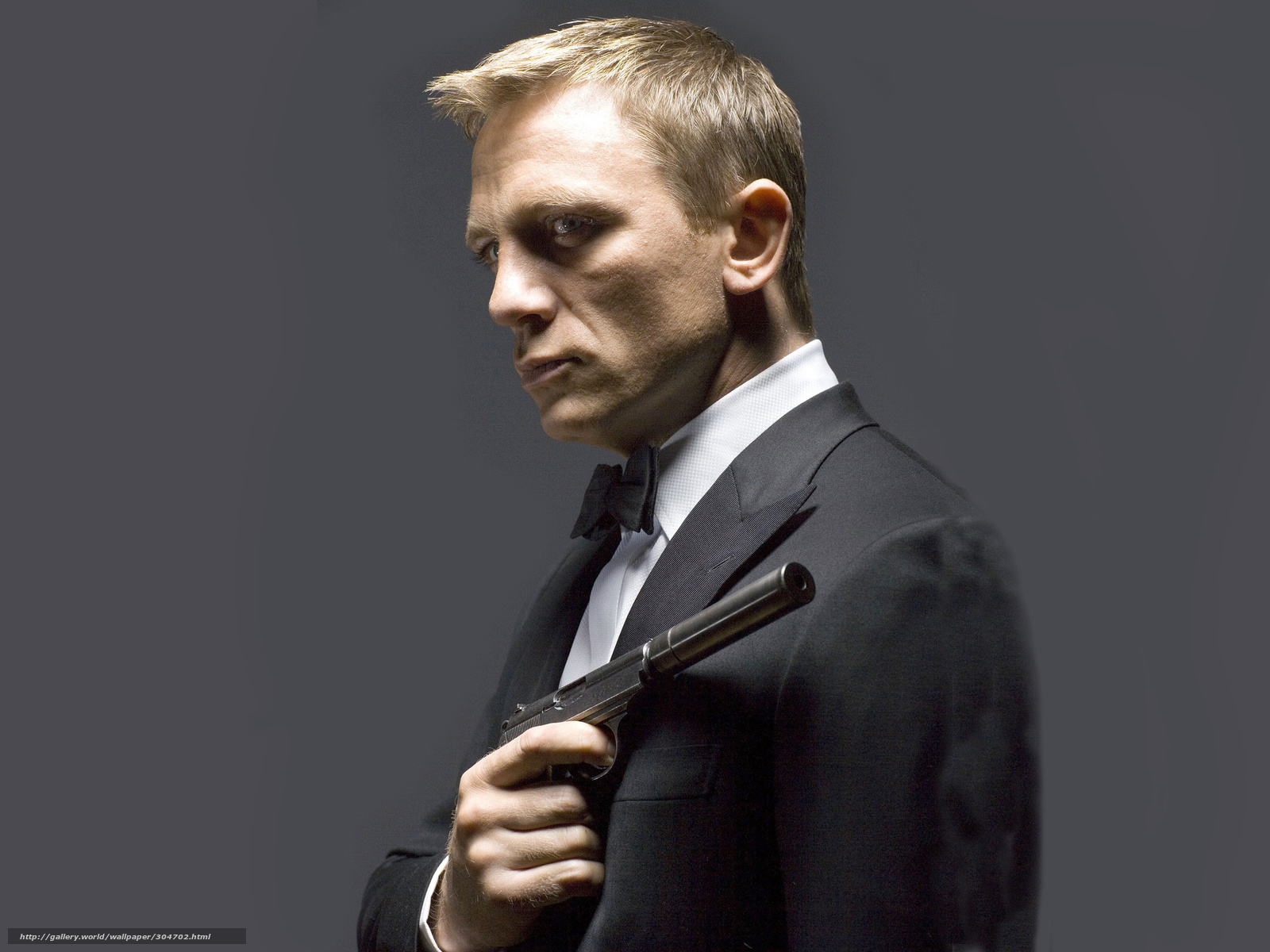 壁紙をダウンロード ダニエル クレイグ ダニエル クレイグ 007 銃 デスクトップの解像度のための無料壁紙 2560x19 絵