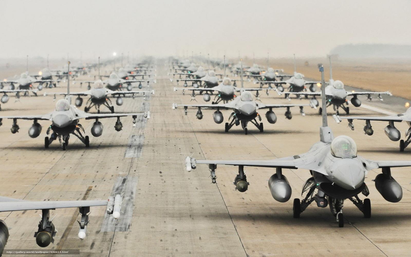 Скачать обои самолёты,  оружие,  аэродром бесплатно для рабочего стола в разрешении 1680x1050 — картинка №430613