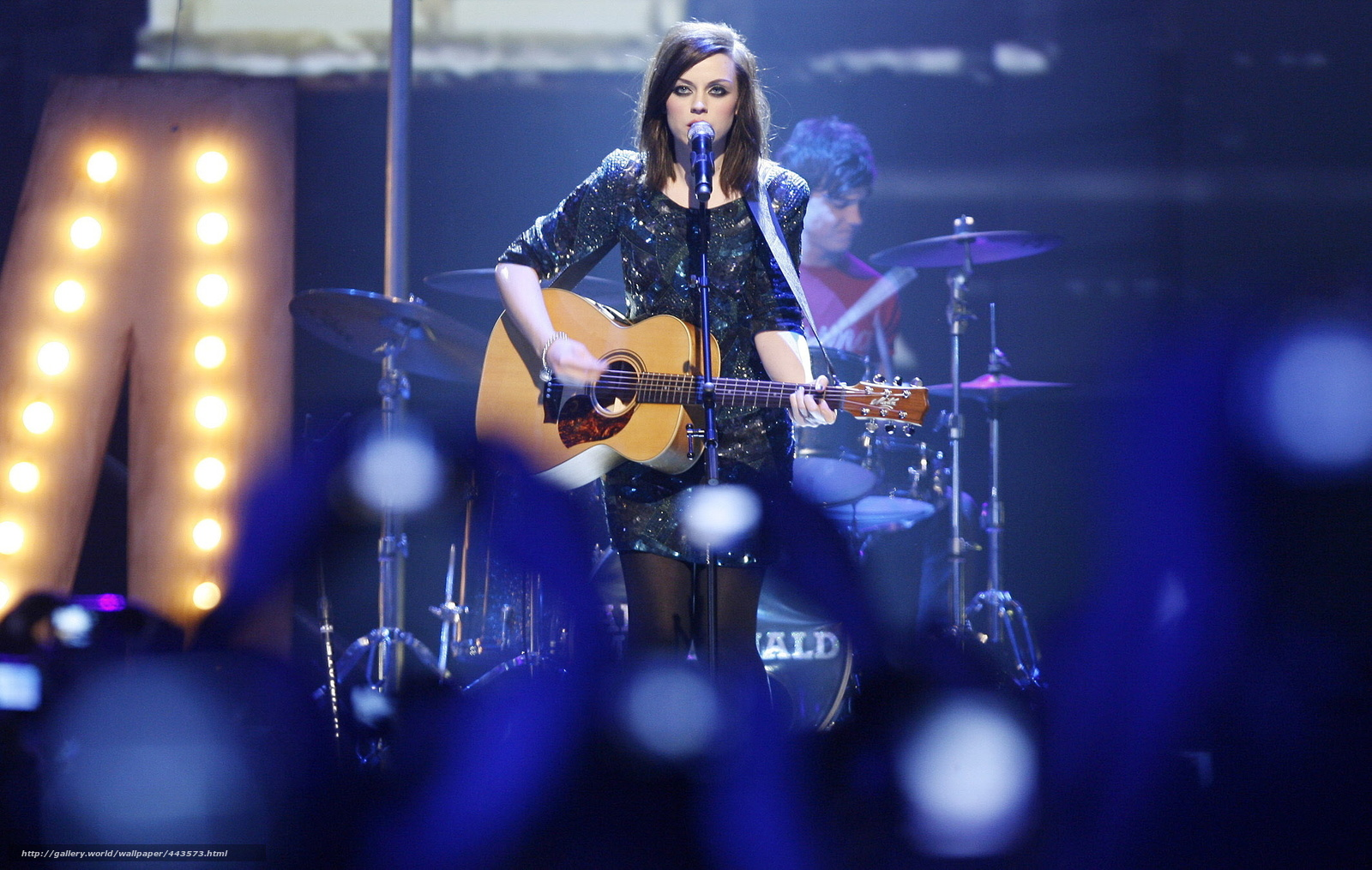 Tlcharger fond d 39 ecran chanteur avec une guitare live for Fond ecran photo live
