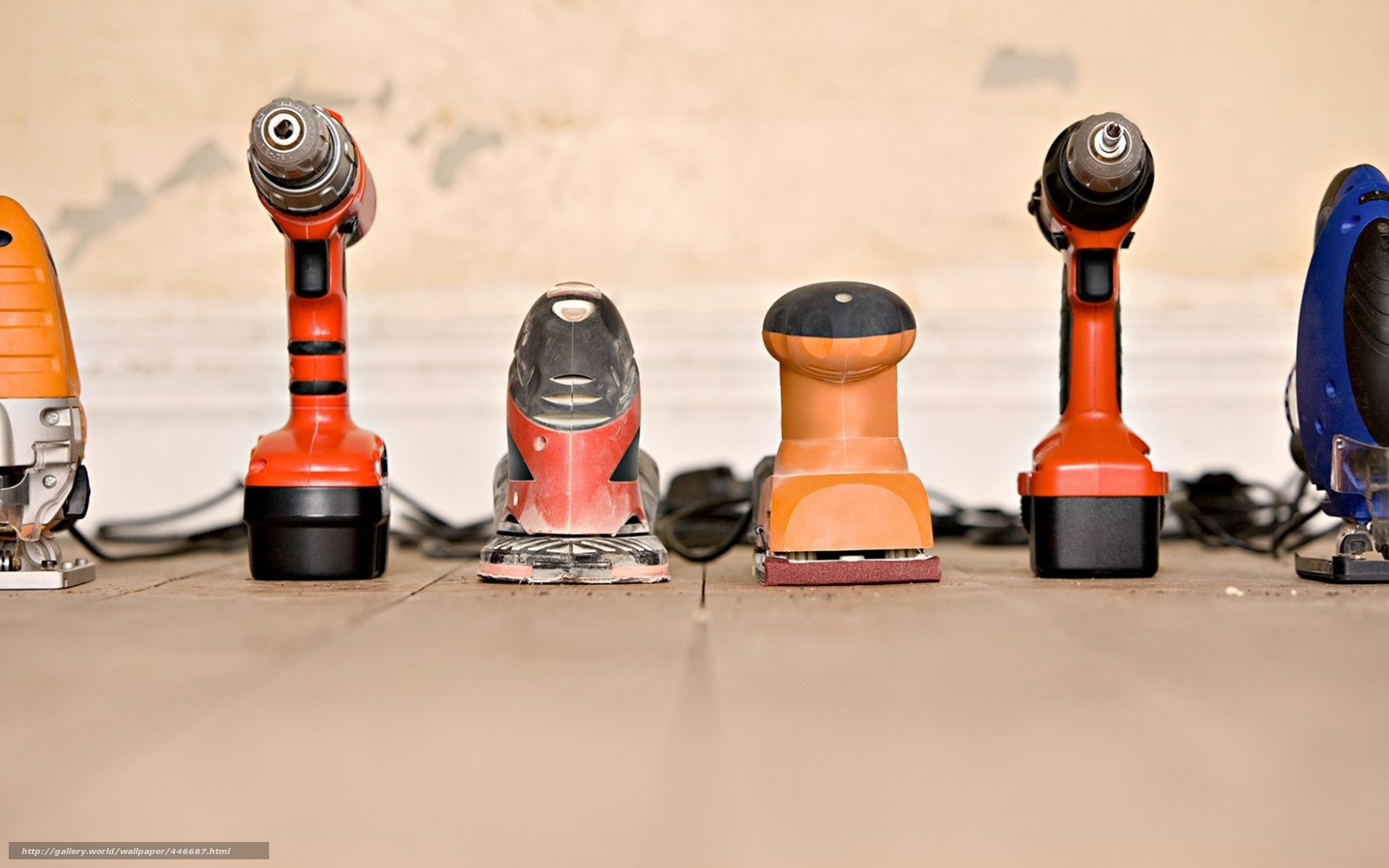 Download wallpaper construction tools screwdriver free desktop wallpaper in the resolution 1680x1050 picture 446687