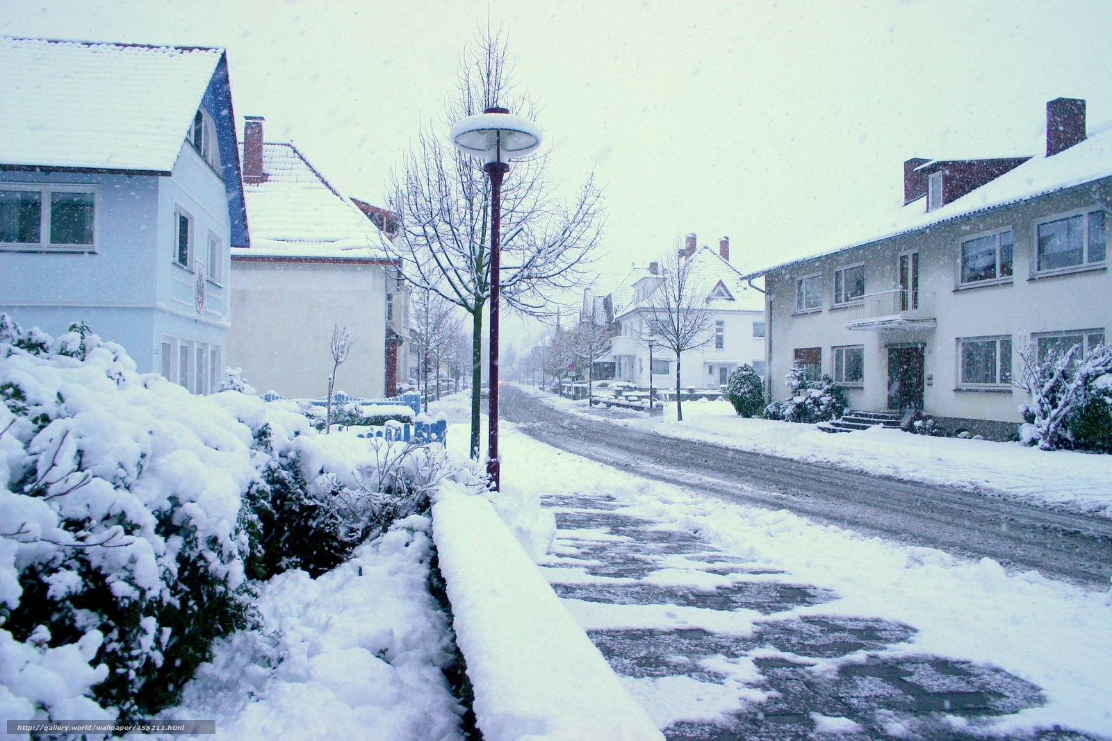Скачать обои зима,  снег,  улица,  город бесплатно для рабочего стола в разрешении 3072x2048 — картинка №455211