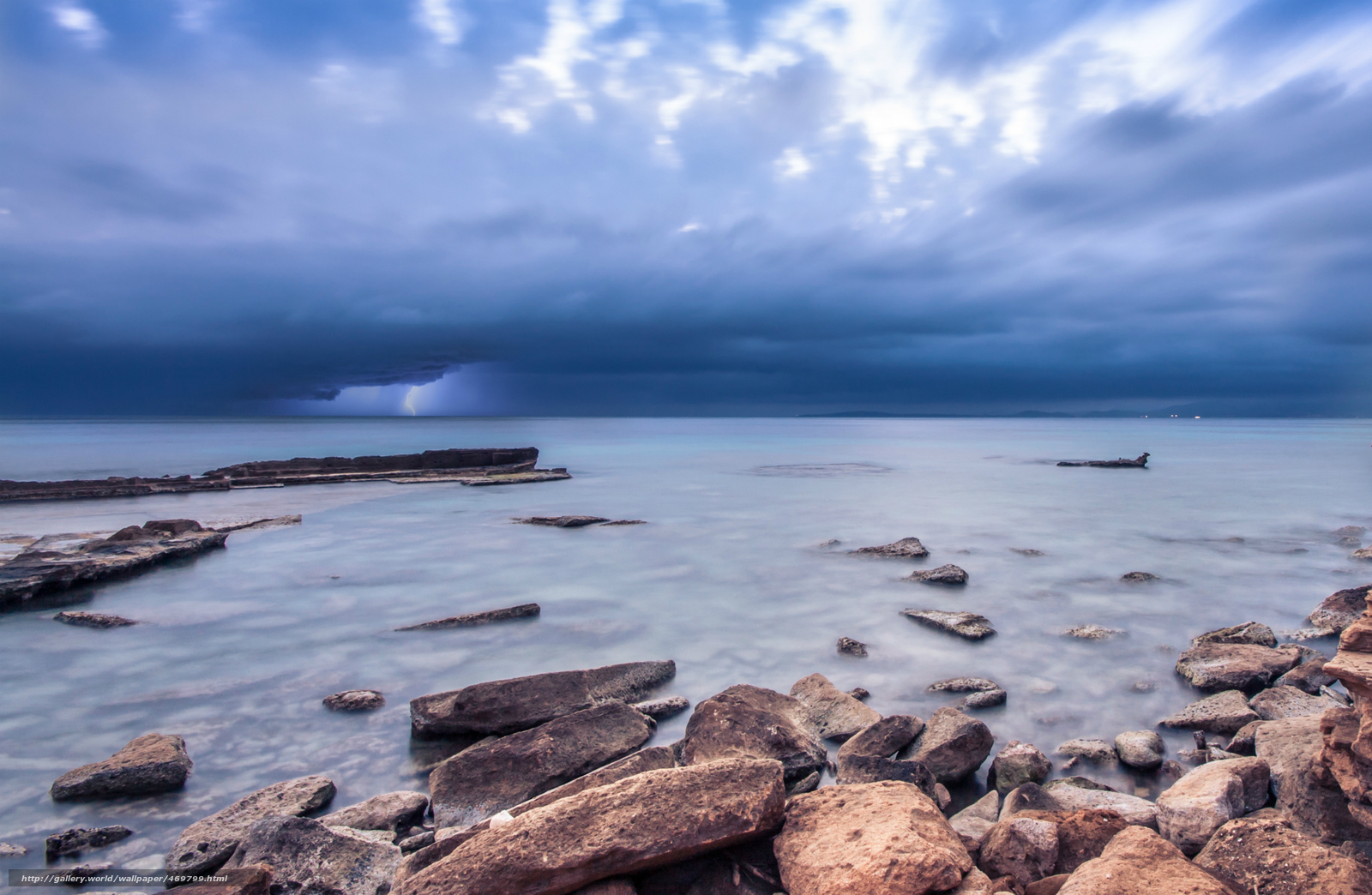 Download wallpaper sea,  ocean,  coast,  stones free desktop wallpaper in the resolution 2560x1670 — picture №469799