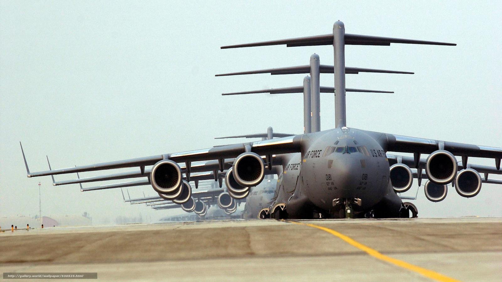 Скачать обои грузовики,  аэродром,  американский стратегический военно-транспортный самолёт бесплатно для рабочего стола в разрешении 1920x1080 — картинка №530525