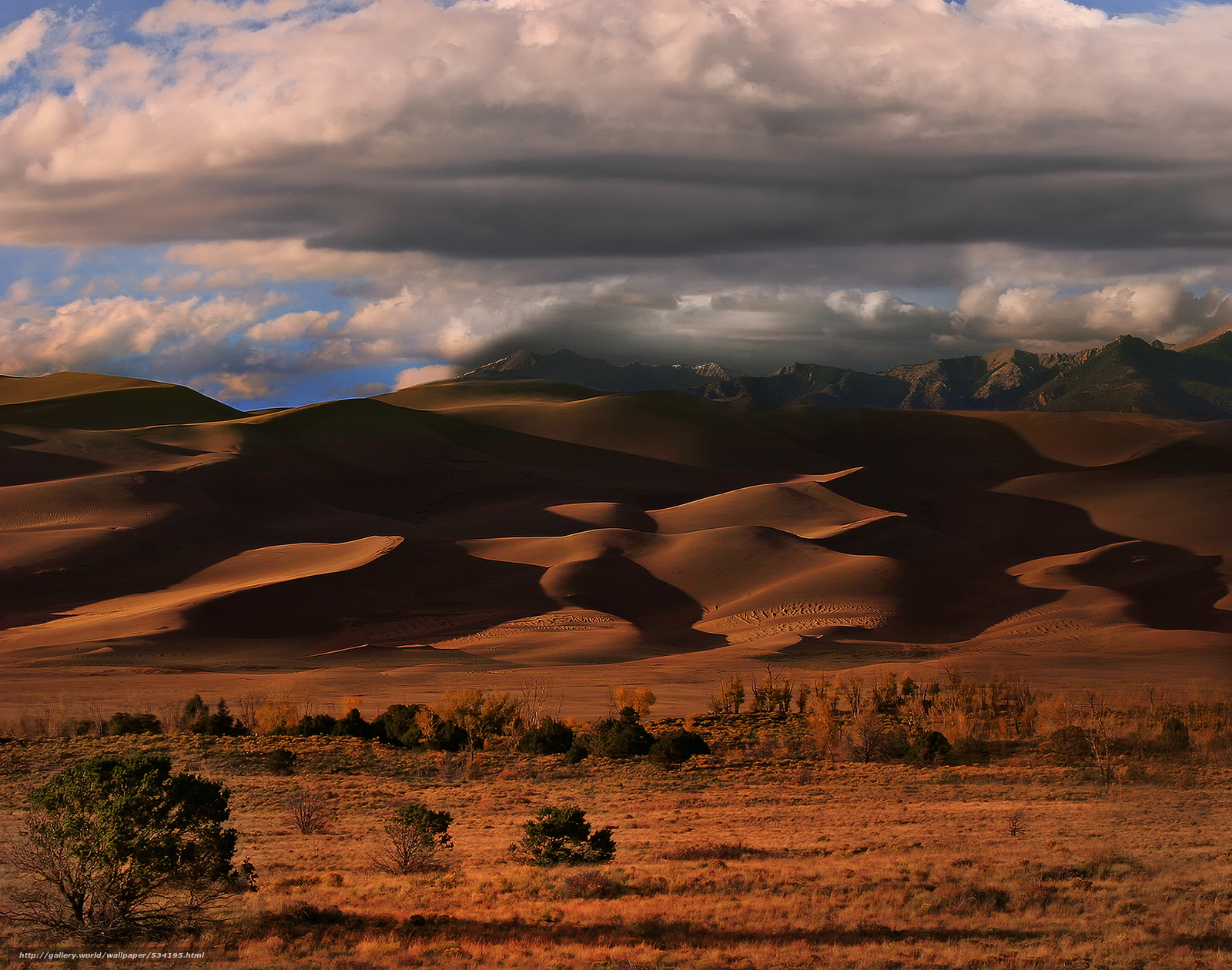 Download wallpaper alien ships above,  great sand dunes national monument,  colorado free desktop wallpaper in the resolution 3000x2362 — picture №534195