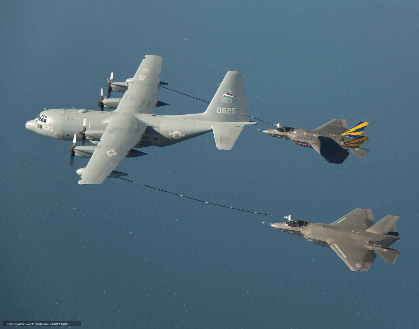Скачать обои F-35C,  Refueling with,  KC-130 бесплатно для рабочего стола в разрешении 3000x2357 — картинка №538851