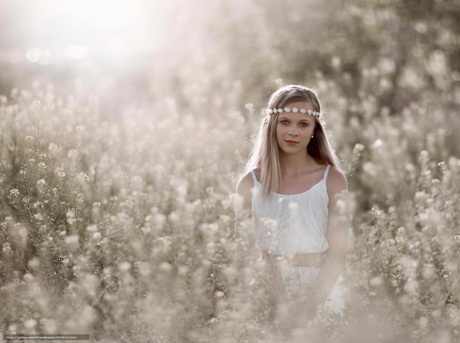 Download wallpaper bokeh,  wreath,  girl,  sun free desktop wallpaper in the resolution 2048x1525 — picture №574810
