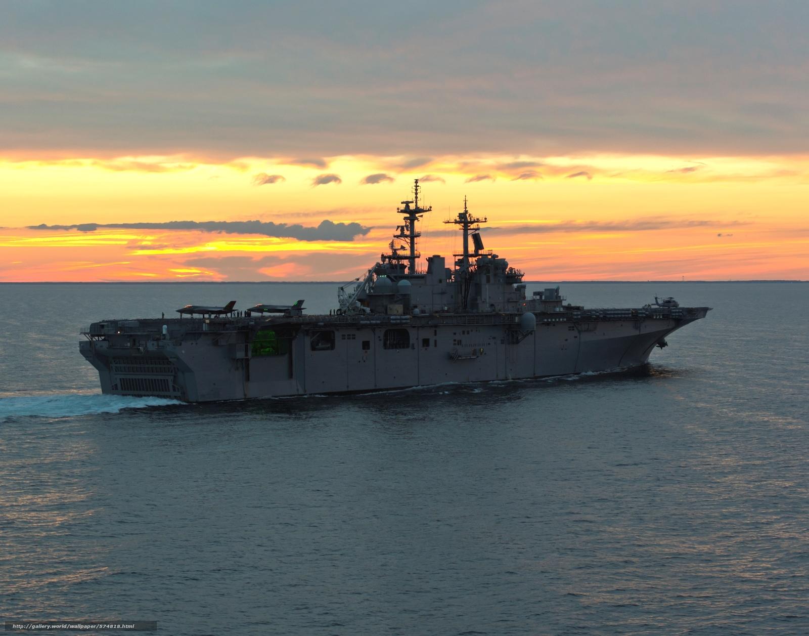Скачать обои универсальный десантный корабль,  истребители,  море,  самолёты бесплатно для рабочего стола в разрешении 3000x2357 — картинка №574818