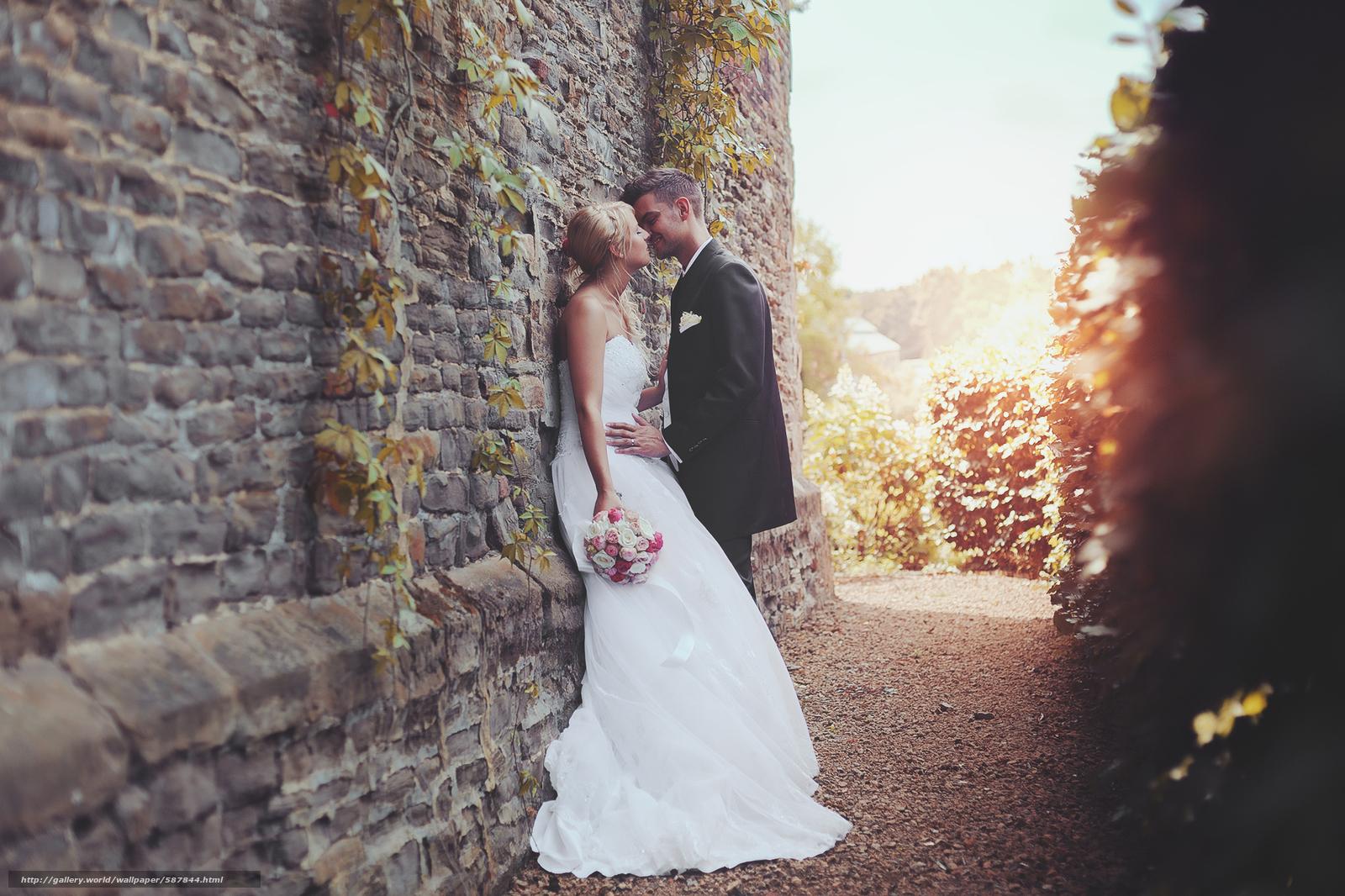 Скачать обои невеста,  платье,  влюбленные,  жених бесплатно для рабочего стола в разрешении 2048x1365 — картинка №587844