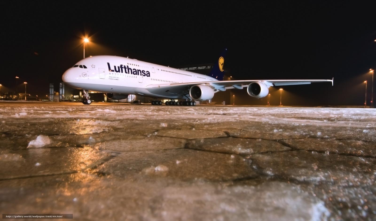 Скачать обои Ночь,  Зима,  Авиалайнер,  Аэропорт бесплатно для рабочего стола в разрешении 2300x1350 — картинка №588149