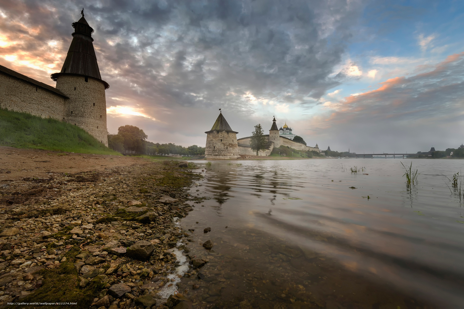 Download wallpaper Russia,  Pskov,  fortress,  river free desktop wallpaper in the resolution 2048x1367 — picture №611274