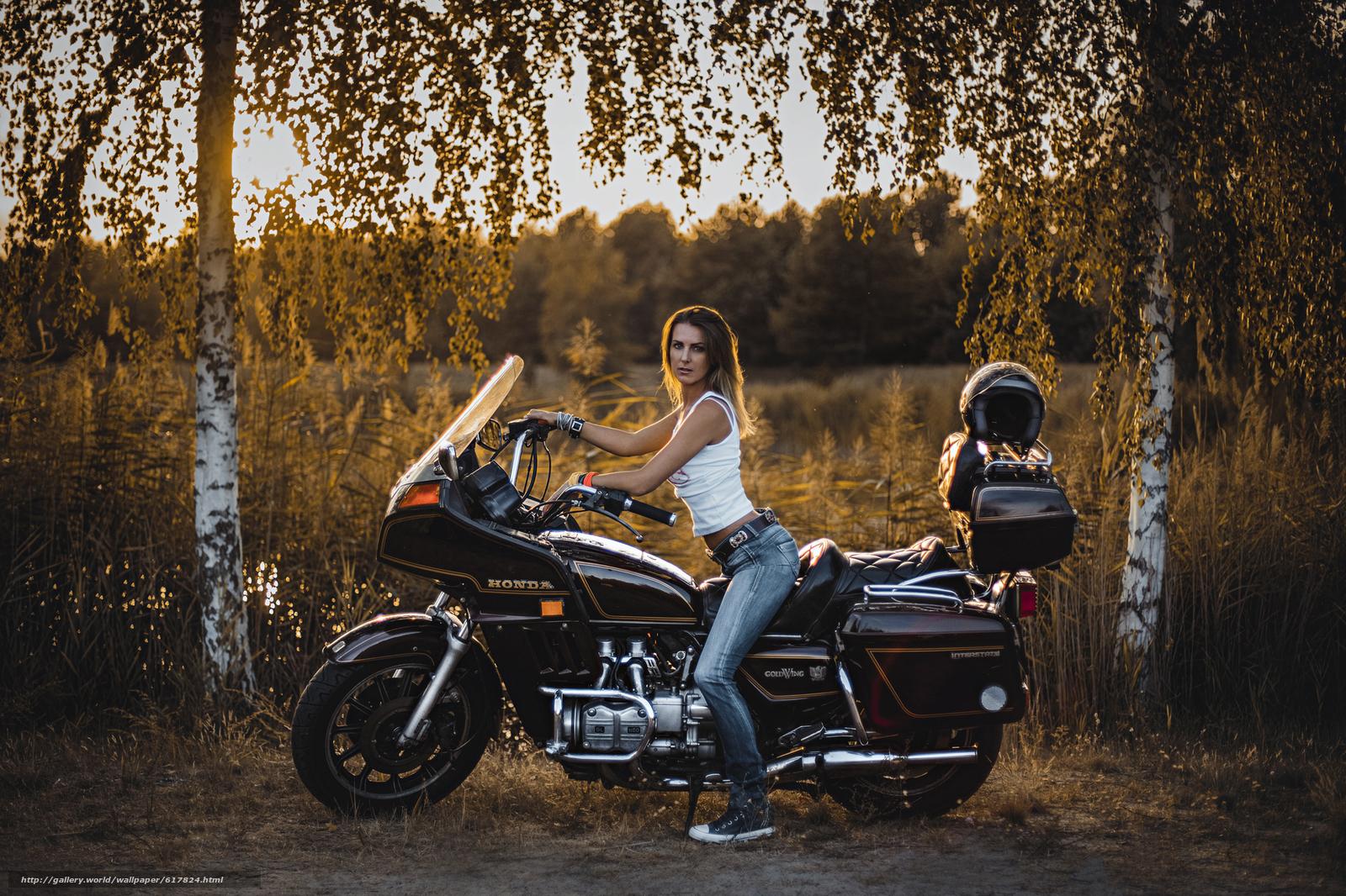 Скачать обои девушка,  джинсы,  мотоцикл,  Honda бесплатно для рабочего стола в разрешении 2048x1365 — картинка №617824
