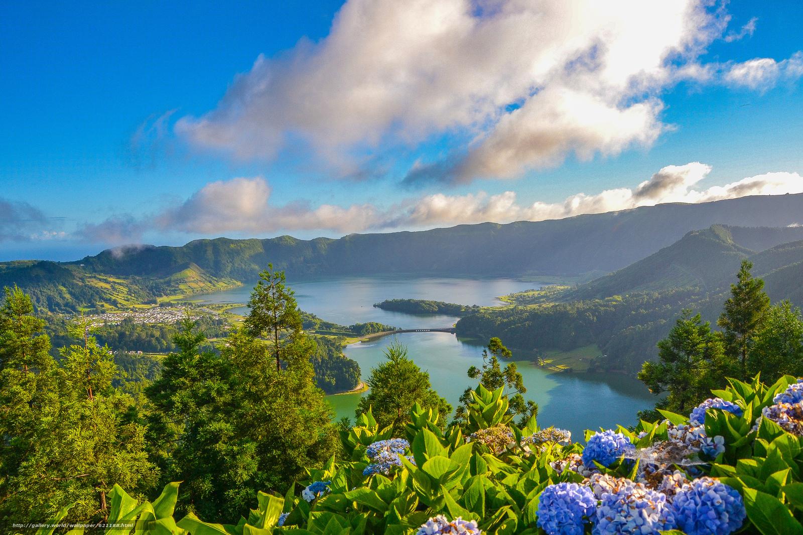 Скачать обои Lagoa das Sete Cidades,  Lagoon of the Seven Cities,  Sete Cidades Massif,  São Miguel Island бесплатно для рабочего стола в разрешении 2048x1365 — картинка №621188