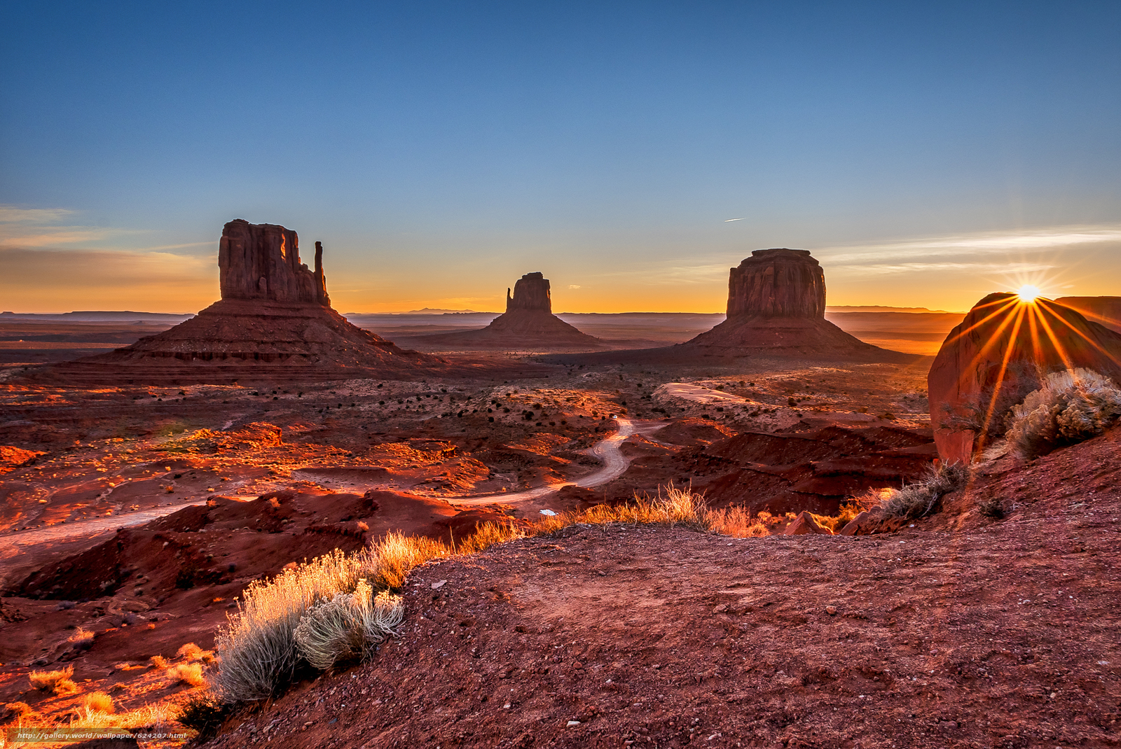 Download wallpaper sunset,  Monument Valley,  USA,  Mountains free desktop wallpaper in the resolution 2048x1369 — picture №624207