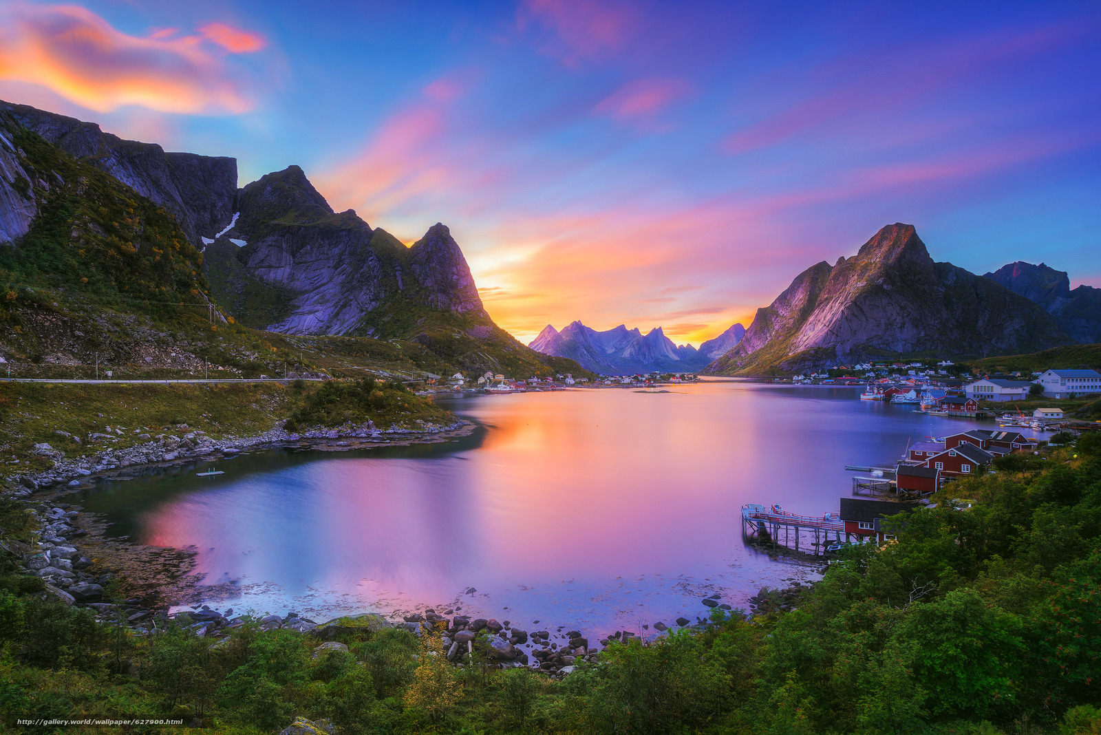 Download wallpaper Reine,  Nordland,  Lofoten archipelago,  Gravdalsbukta free desktop wallpaper in the resolution 2048x1367 — picture №627900