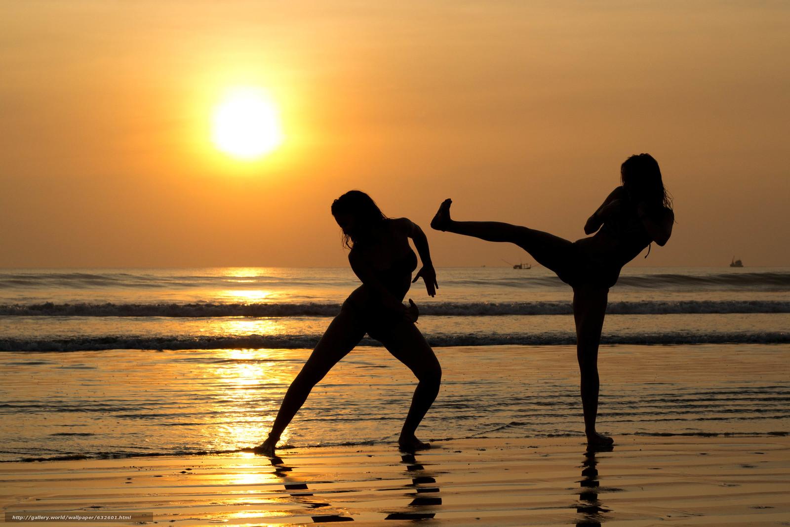 Скачать обои закат,  море,  силуэты девушек,  настроения бесплатно для рабочего стола в разрешении 4992x3328 — картинка №632601