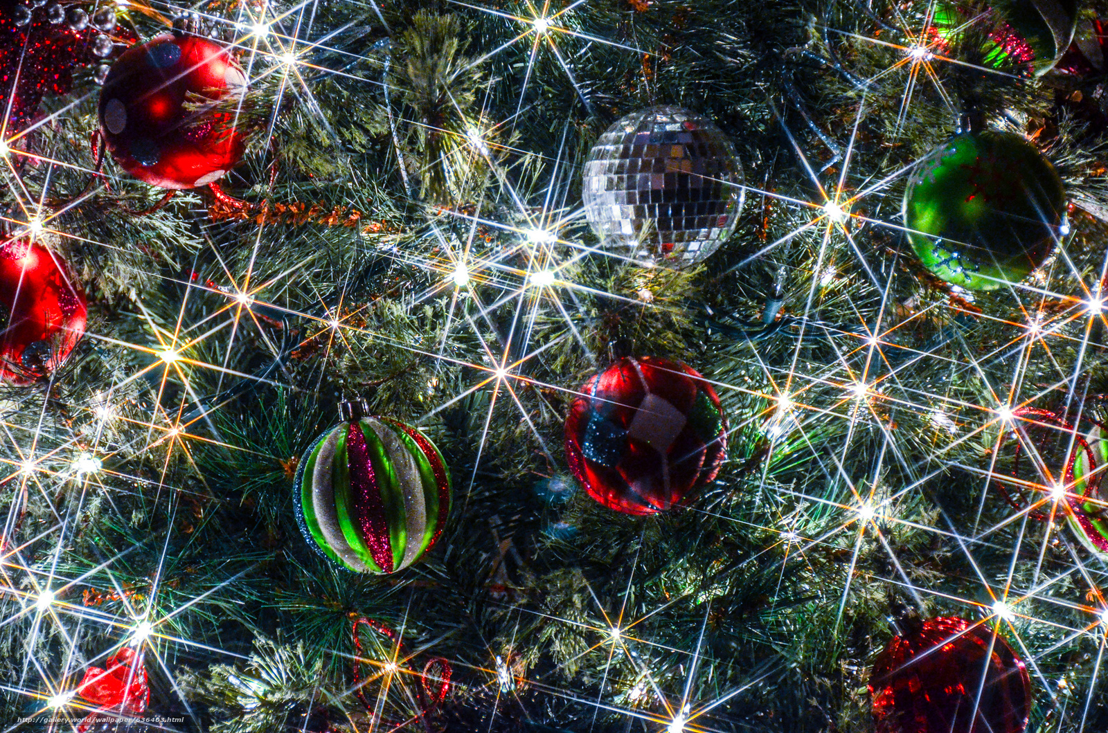Sfondi Gratis Natalizi.Scaricare Gli Sfondi Albero Di Natale Addobbi Natalizi Palloncini