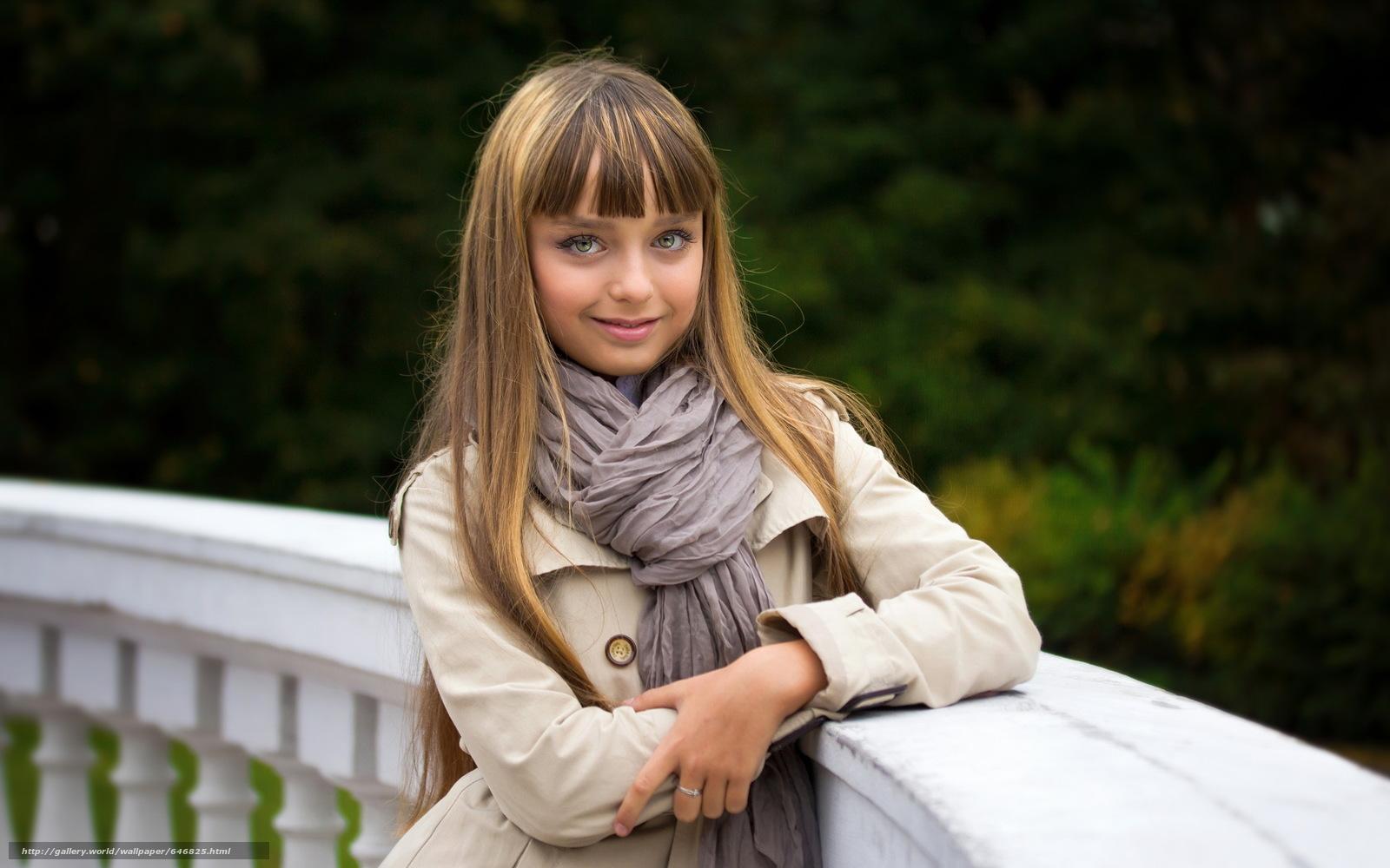 Download wallpaper girl,  girls,  children,  baby free desktop wallpaper in the resolution 2560x1600 — picture №646825