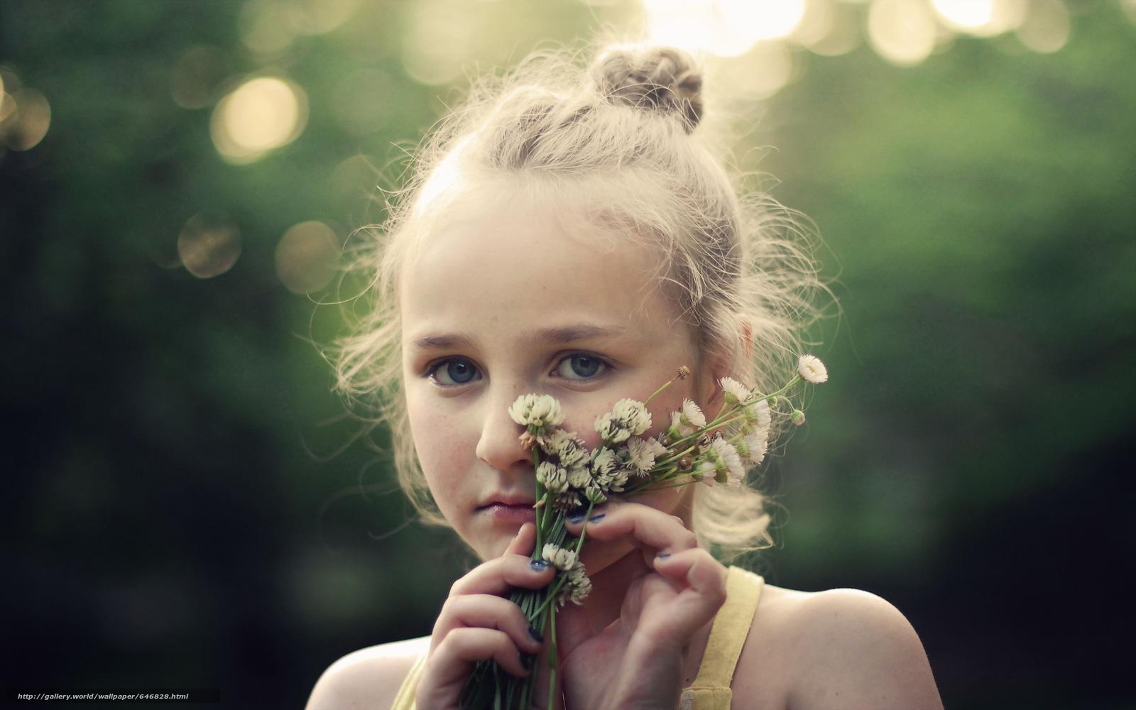 Download wallpaper girl,  girls,  children,  baby free desktop wallpaper in the resolution 2560x1600 — picture №646828
