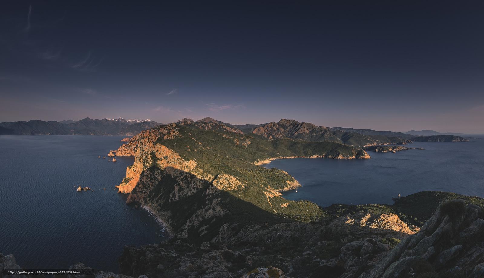 Скачать обои море,  горы,  небо бесплатно для рабочего стола в разрешении 2048x1179 — картинка №652628