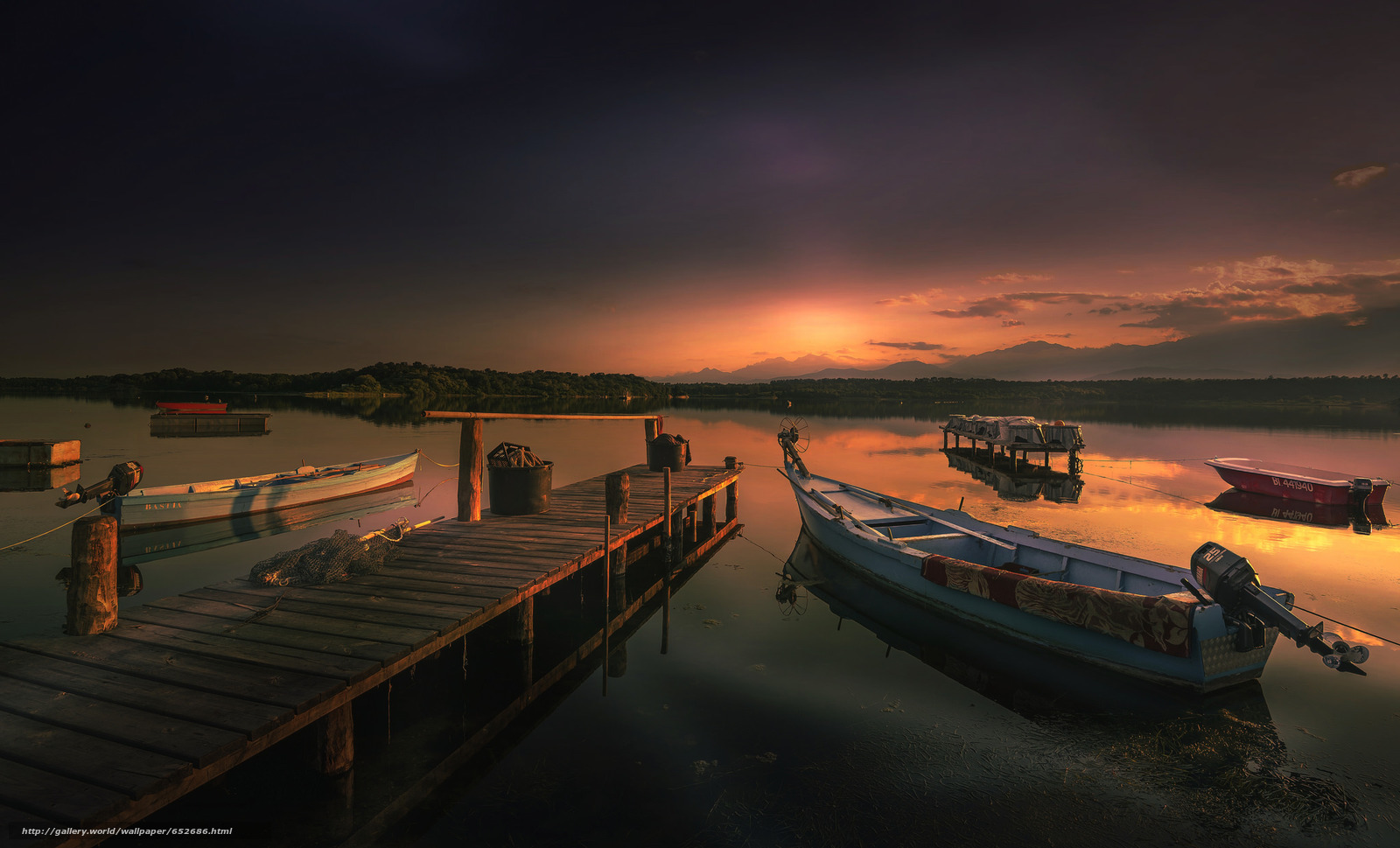 Скачать обои лодки,  мост,  закат,  вечер бесплатно для рабочего стола в разрешении 2048x1240 — картинка №652686