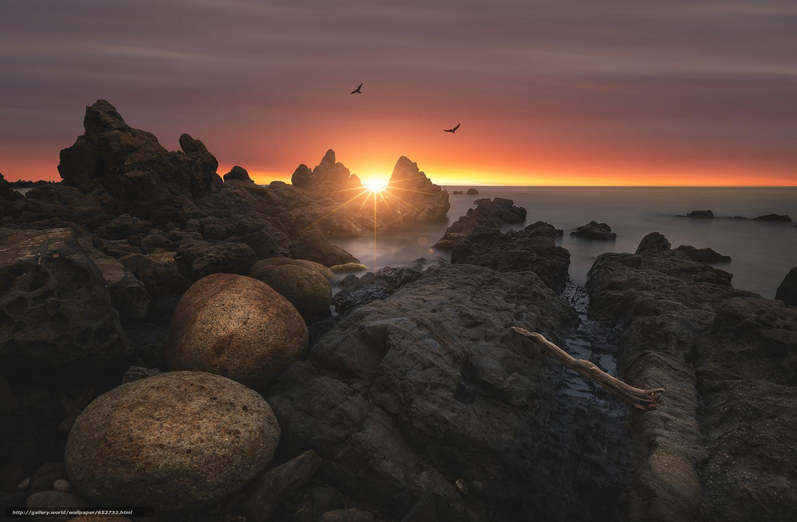 Скачать обои море,  камни,  небо,  берег бесплатно для рабочего стола в разрешении 2048x1341 — картинка №652732
