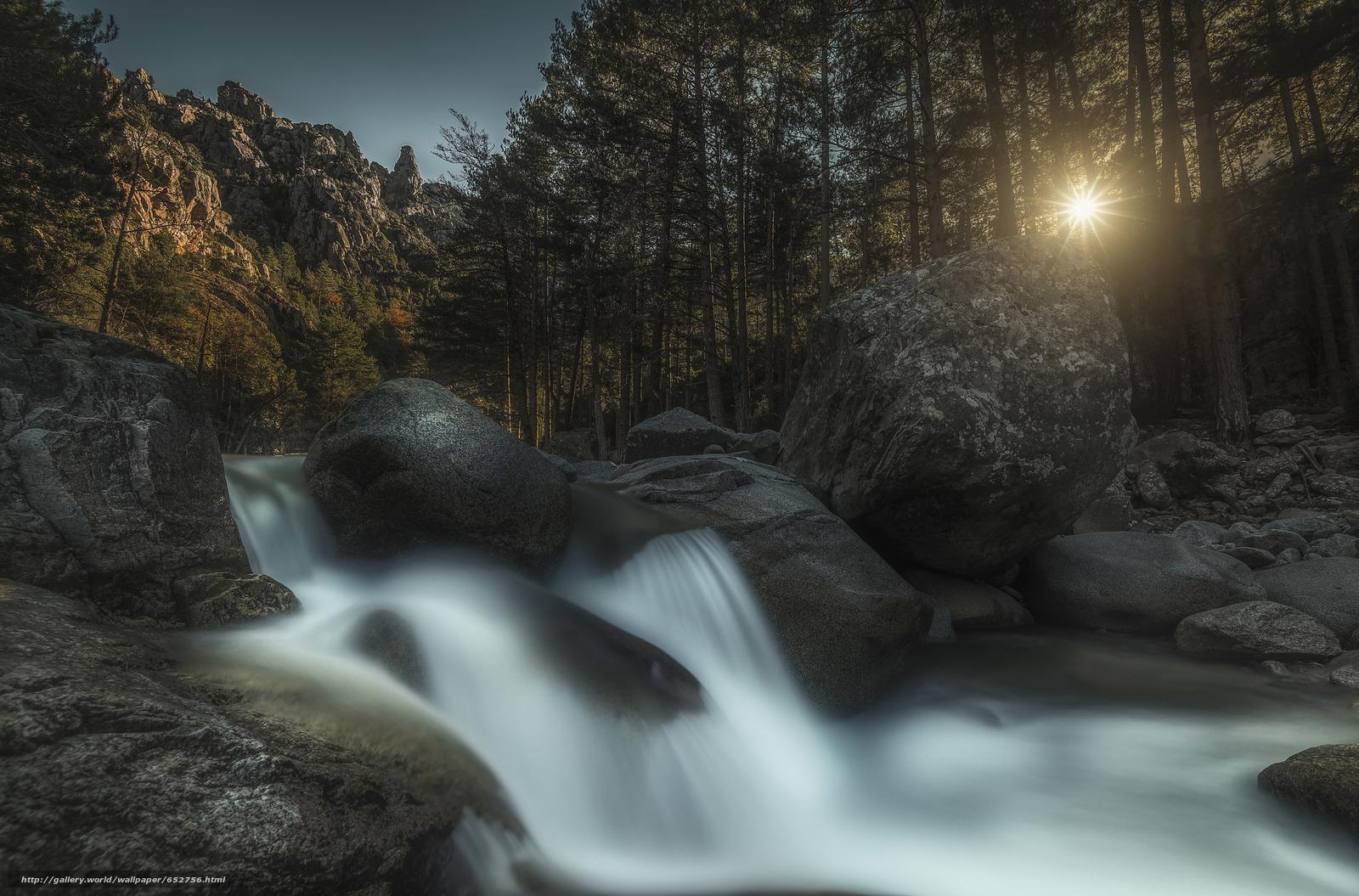 Скачать обои водопад,  лес,  камни,  солнце бесплатно для рабочего стола в разрешении 2048x1350 — картинка №652756