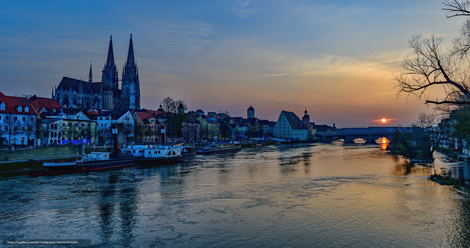 Download wallpaper The Danube River,  Regensburg,  St. Peter's House free desktop wallpaper in the resolution 2048x1080 — picture №655234
