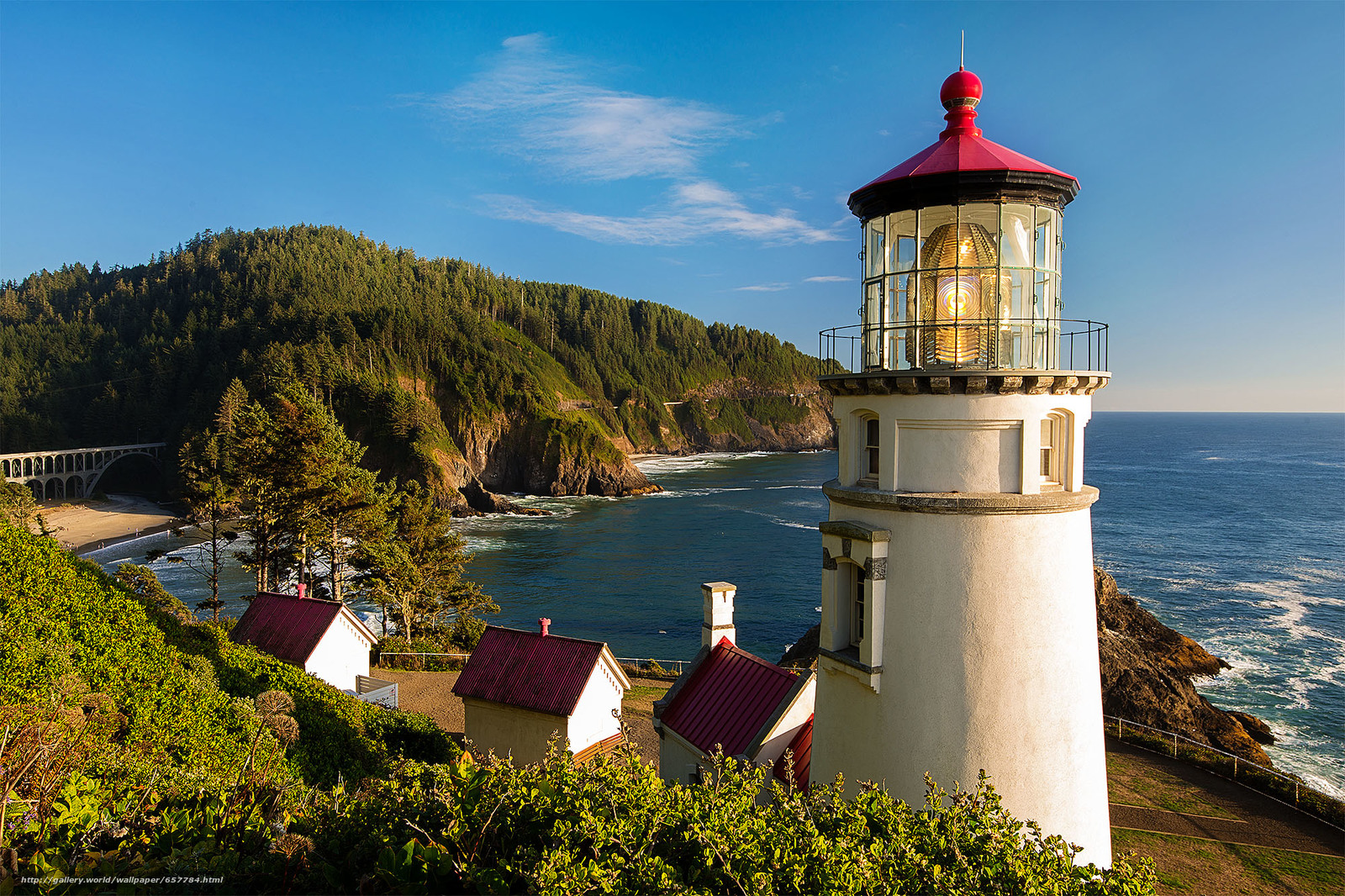 Download wallpaper Heceta Head Light is a lighthouse,  Oregon Coast,  landscape free desktop wallpaper in the resolution 2000x1333 — picture №657784