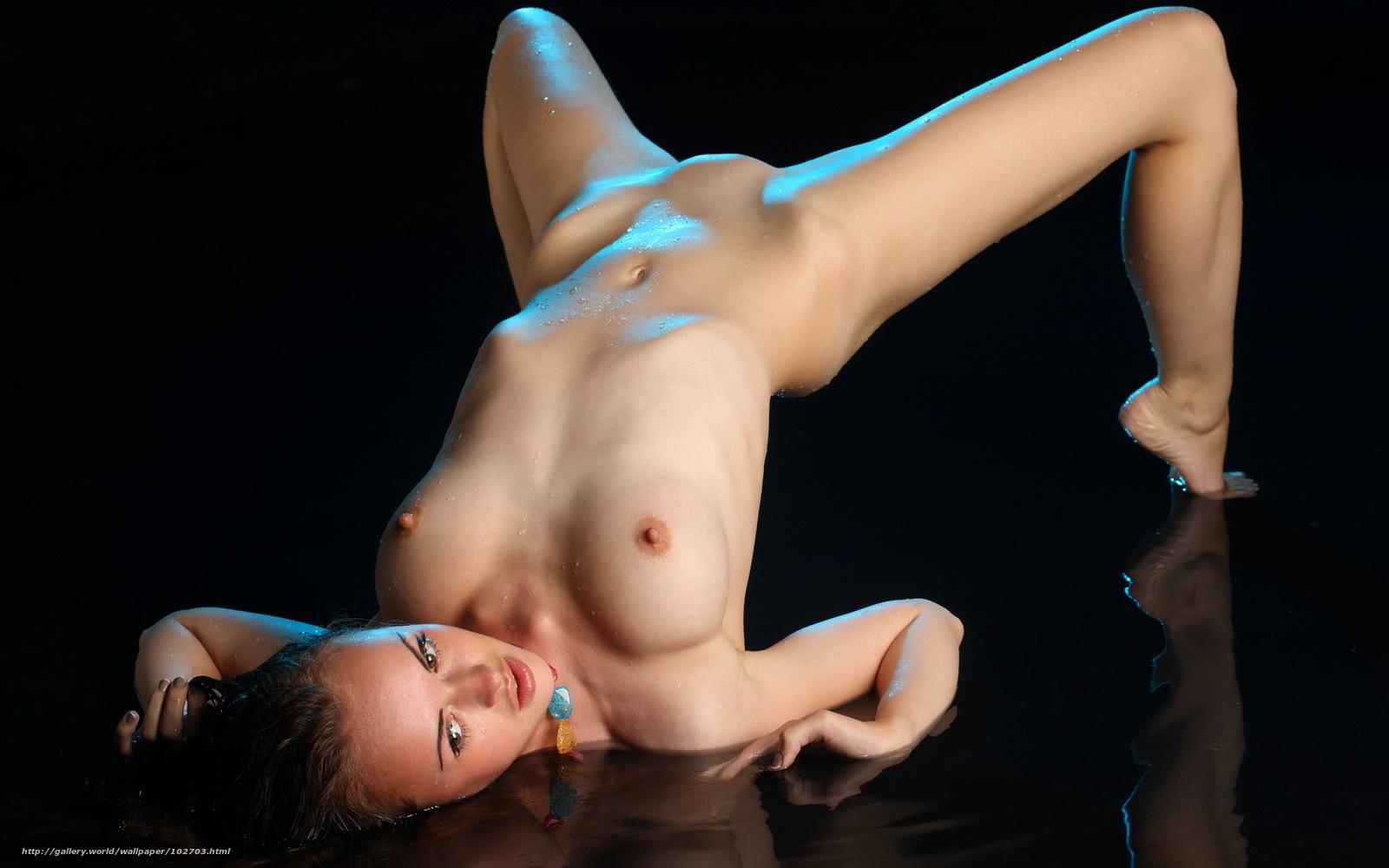 devushki-erotika-mokrie