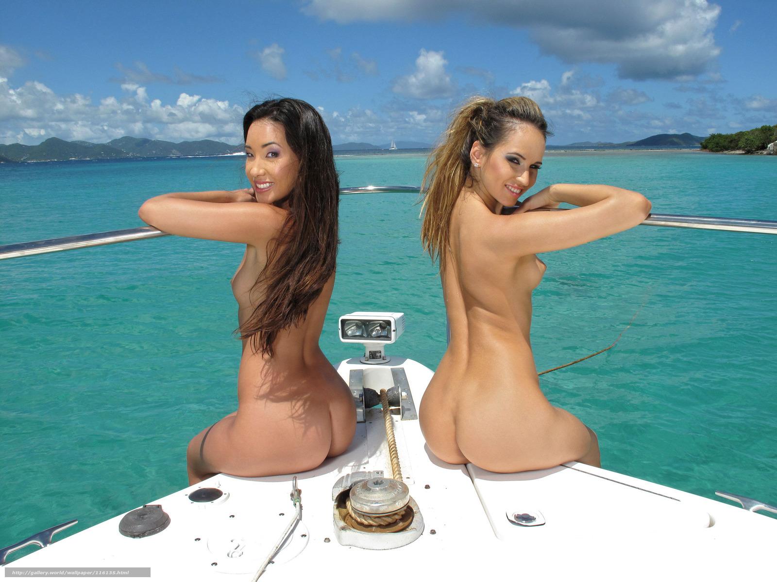 Тёлочки любят пососать на яхте 14 фотография