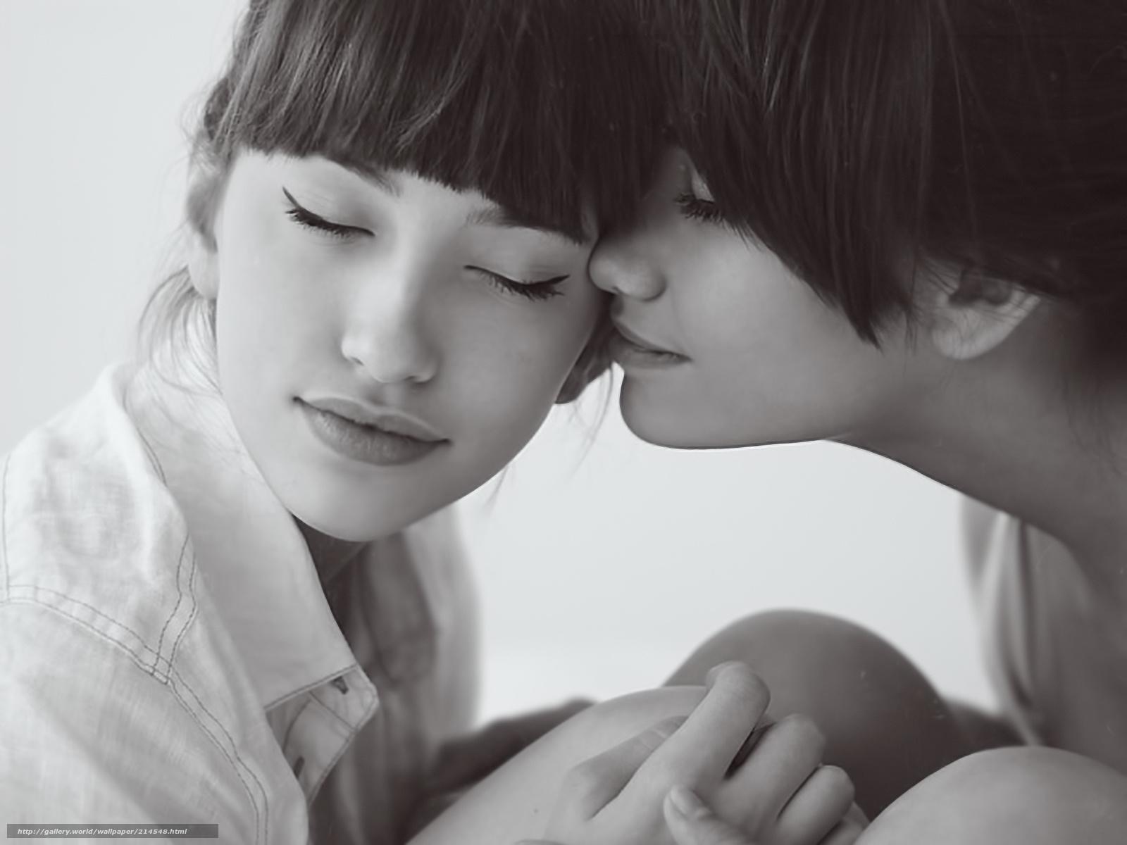 Фотография поцелуя двух девушек 16 фотография