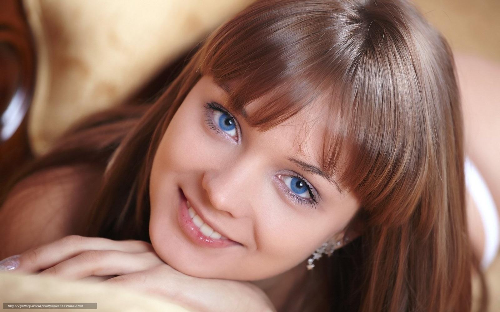 Потрясающая девушка с милой улыбкой и прекрасной фигурой 12 фотография