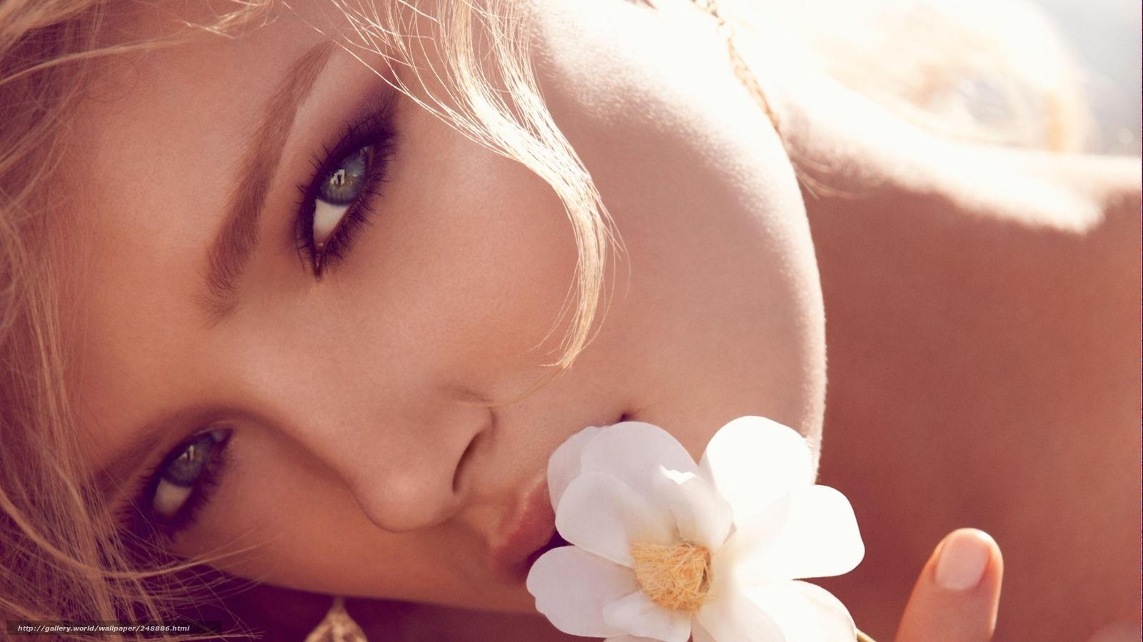 Секс девушкой у которой красивые глаза 20 фотография