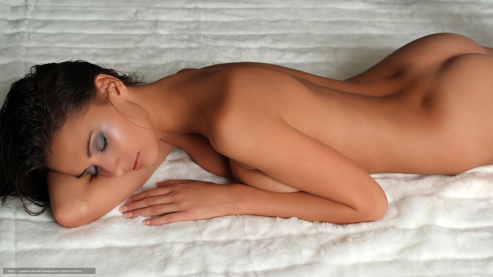 Фото голая девушка спит 17 фотография