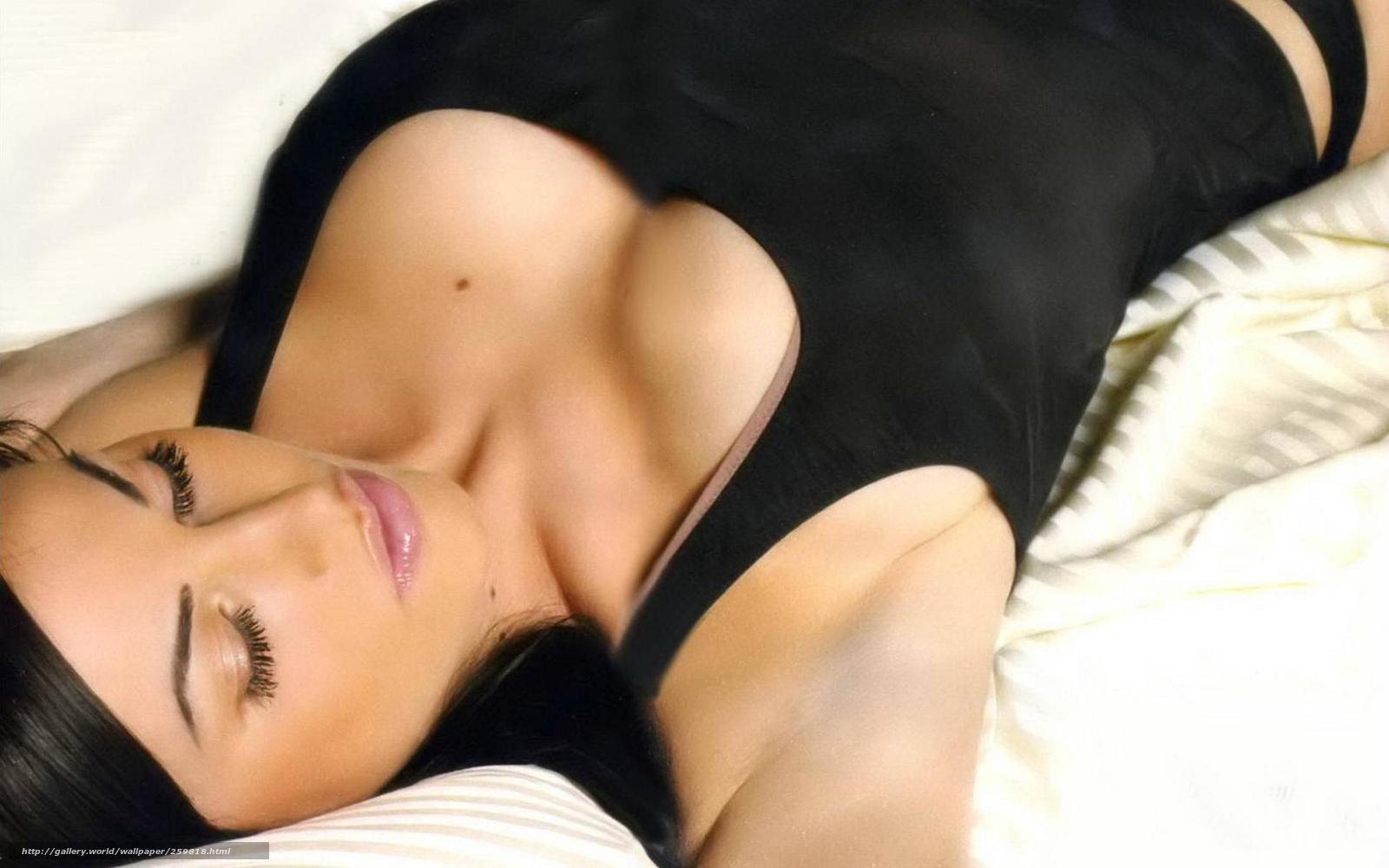 Фото красивых обнаженных девочек в постели 11 фотография