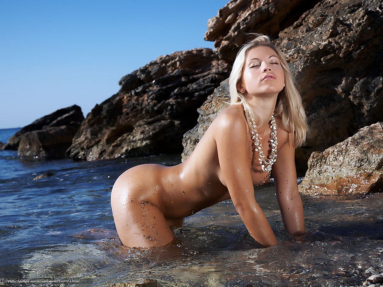 Эротическая голая девушка фото 15 фотография