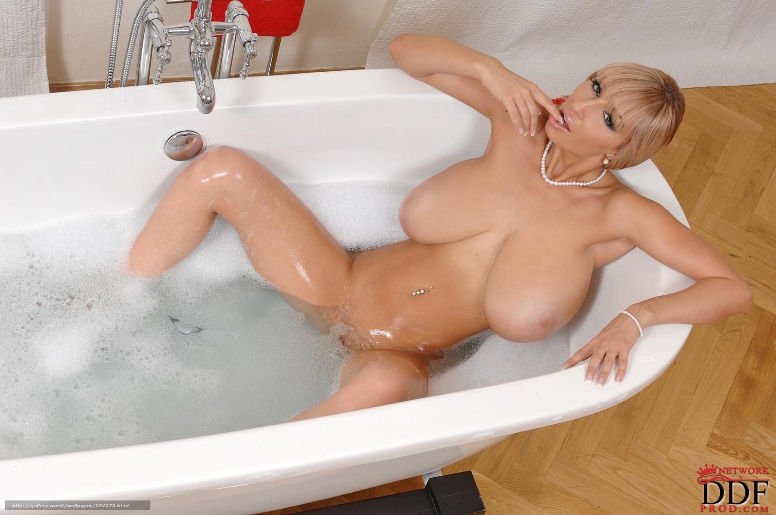 russkaya-blondinka-v-vannoy-porno