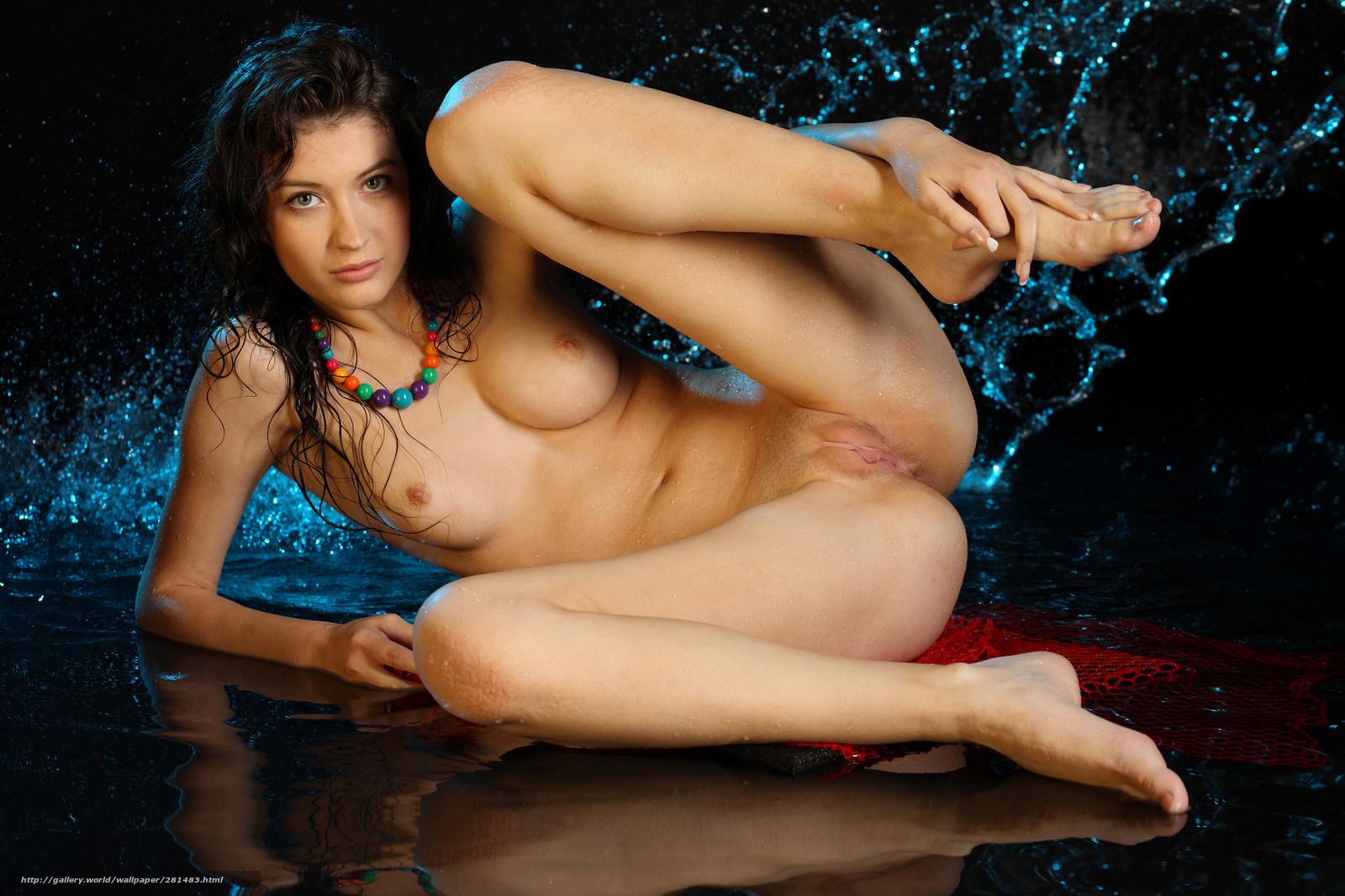 Сексуальные голые дувушки 1 фотография