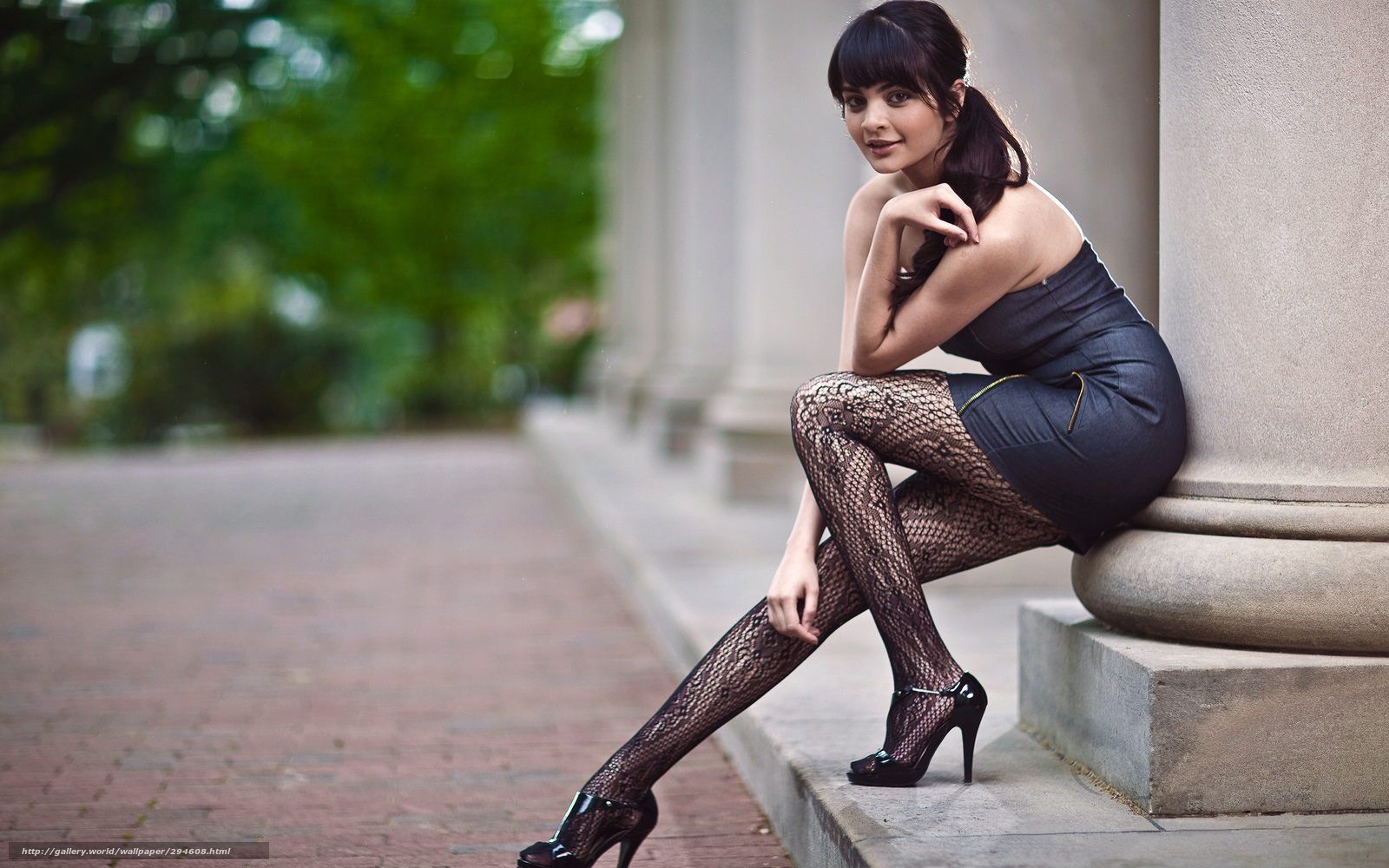 Смотреть онлайн секс с длинноногими девочками в чулках 9 фотография