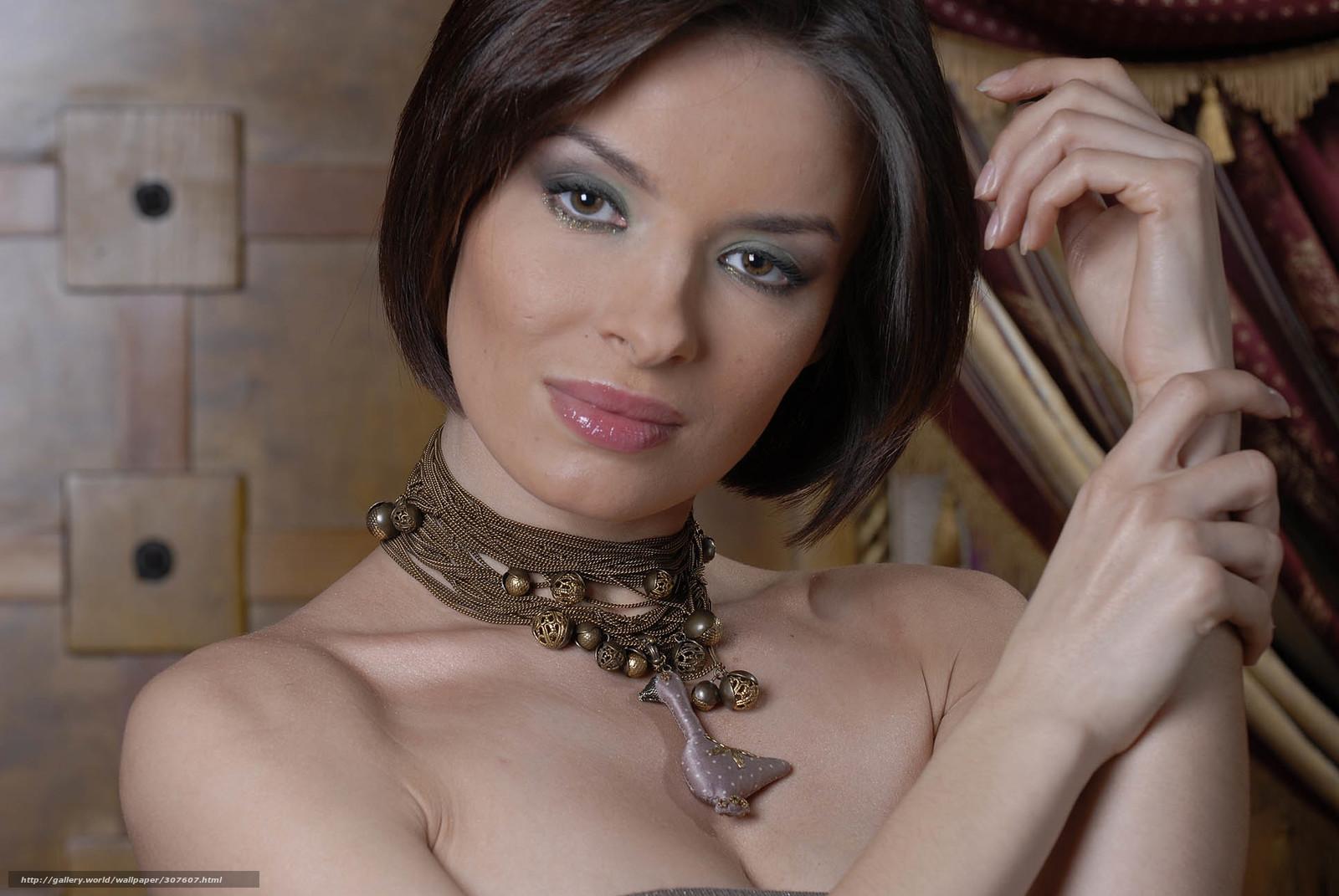 golaya-nachalnitsa-video