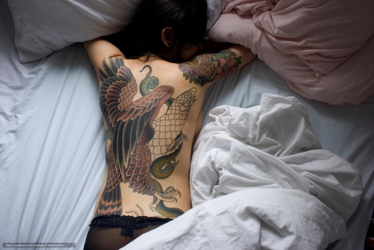 Спящих девушек со спины 9 фотография