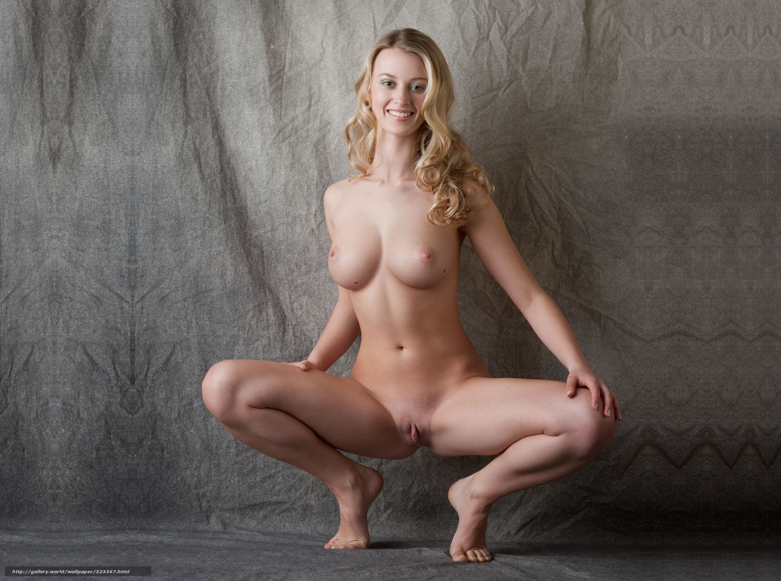blondinka-bez-trusov-fotosessiya