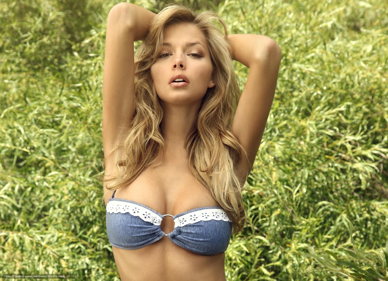 Русская красивая девочка ебётся 3 фотография