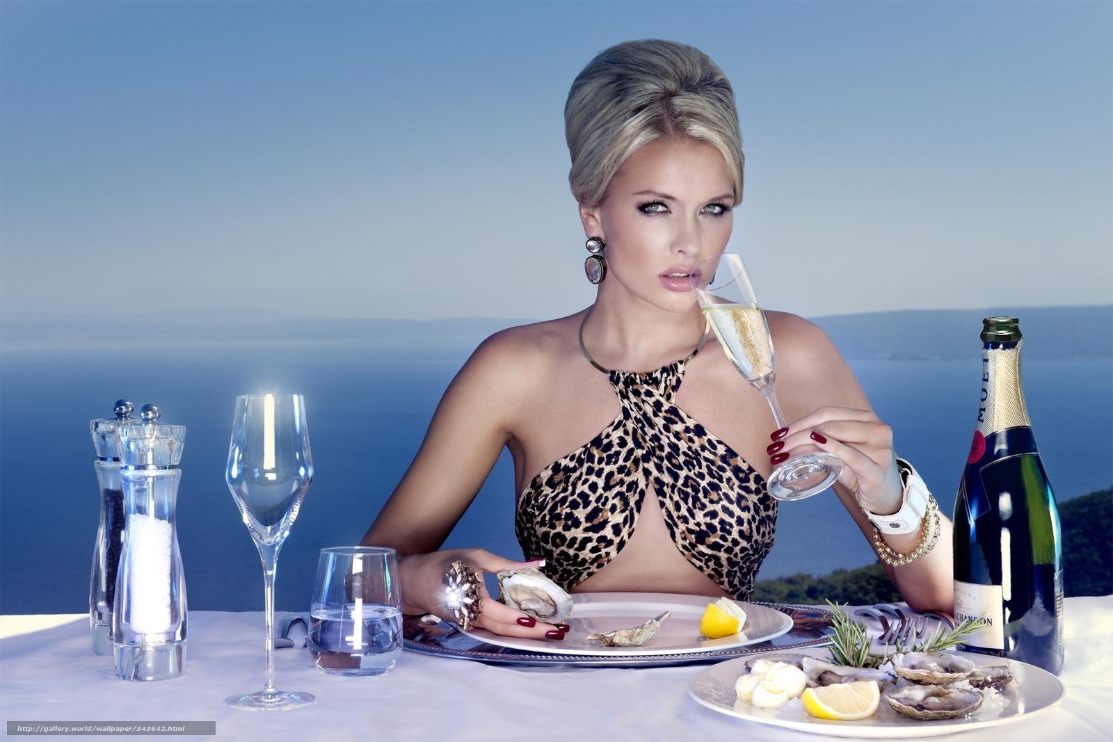 Фотографии голых женщин в ресторане кафе 19 фотография