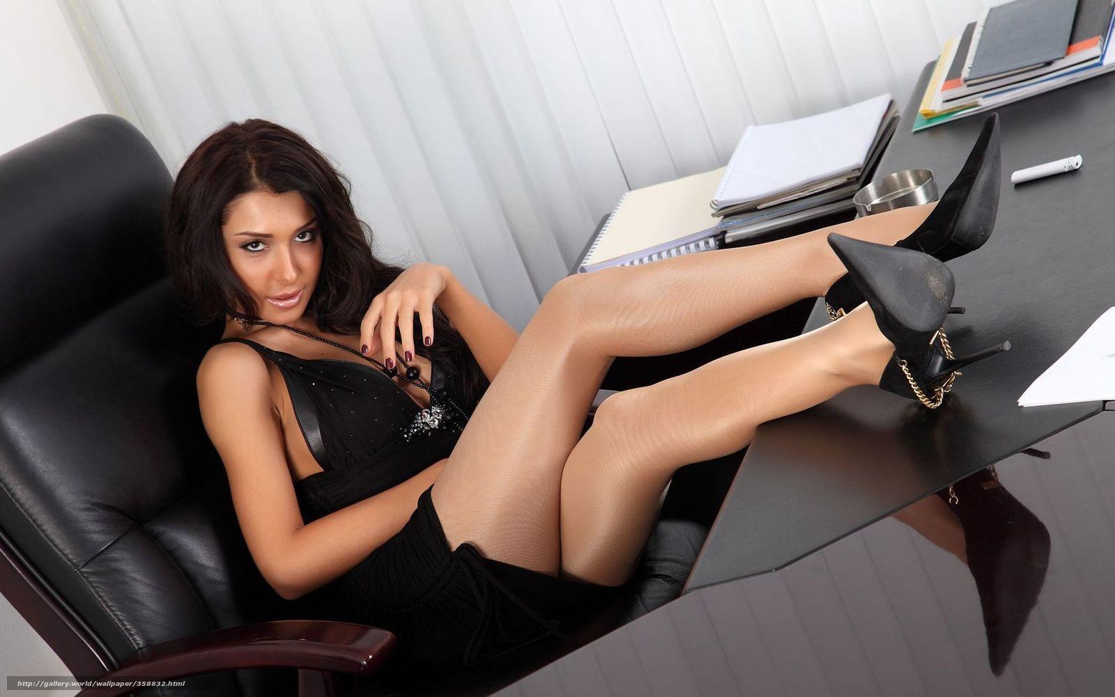 Секретаршу в офисе 21 фотография