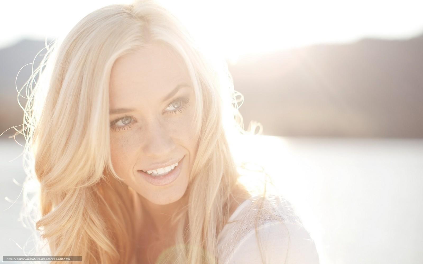 Фото блондинки в лучах солнца 26 фотография