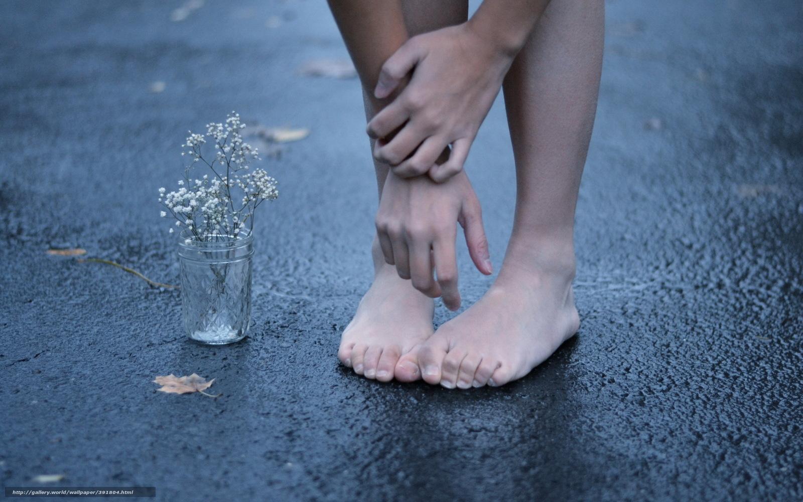 Фото как нюхают потные носки и ноги 14 фотография