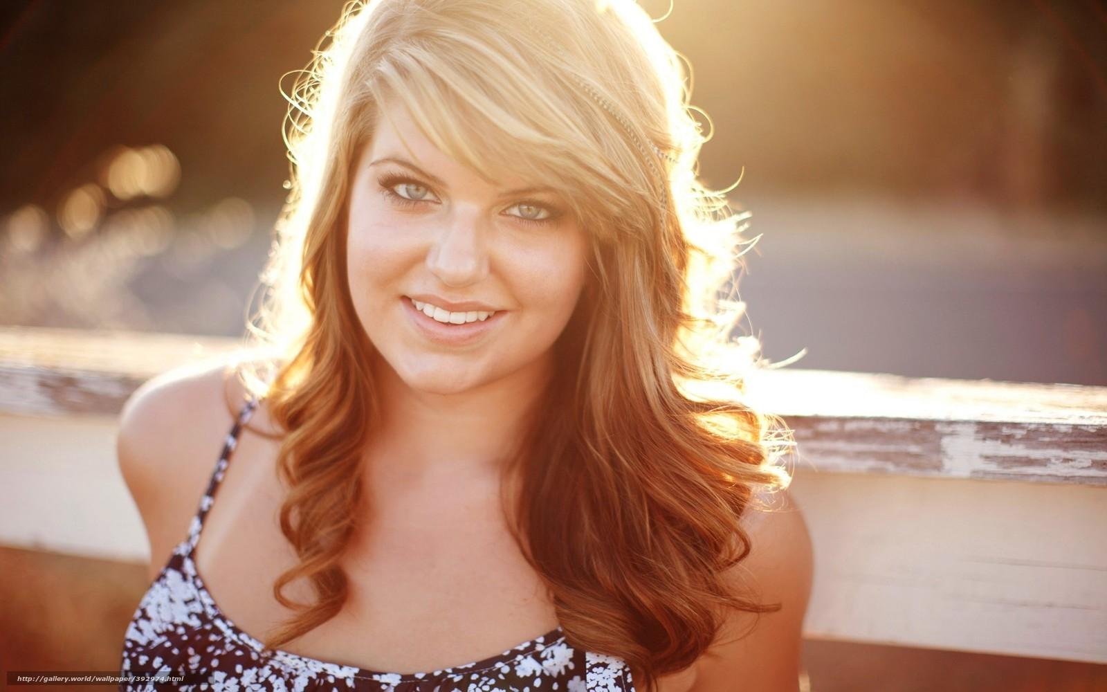 Фото блондинки в лучах солнца 16 фотография