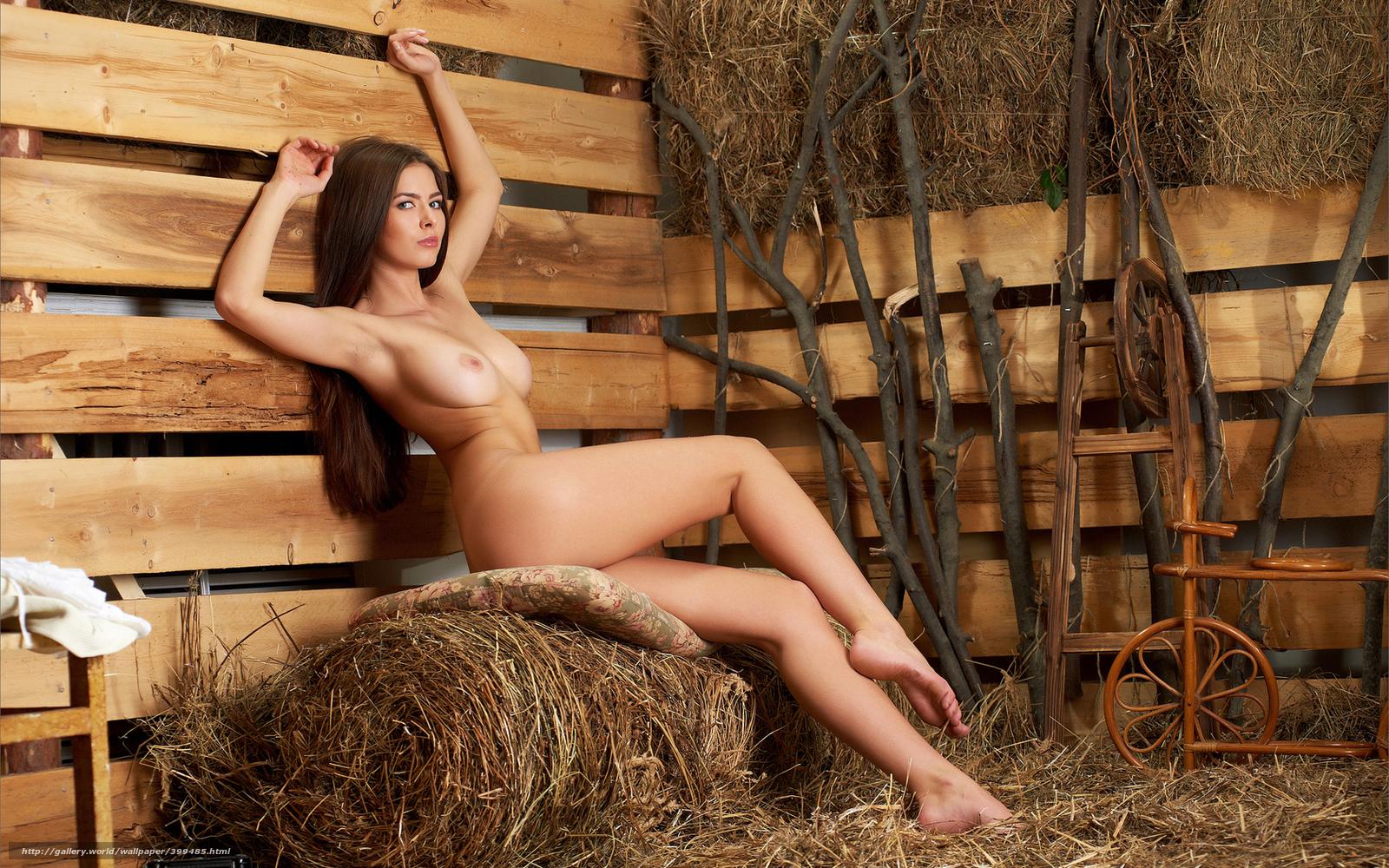 Ретро голая в сарае 9 фотография